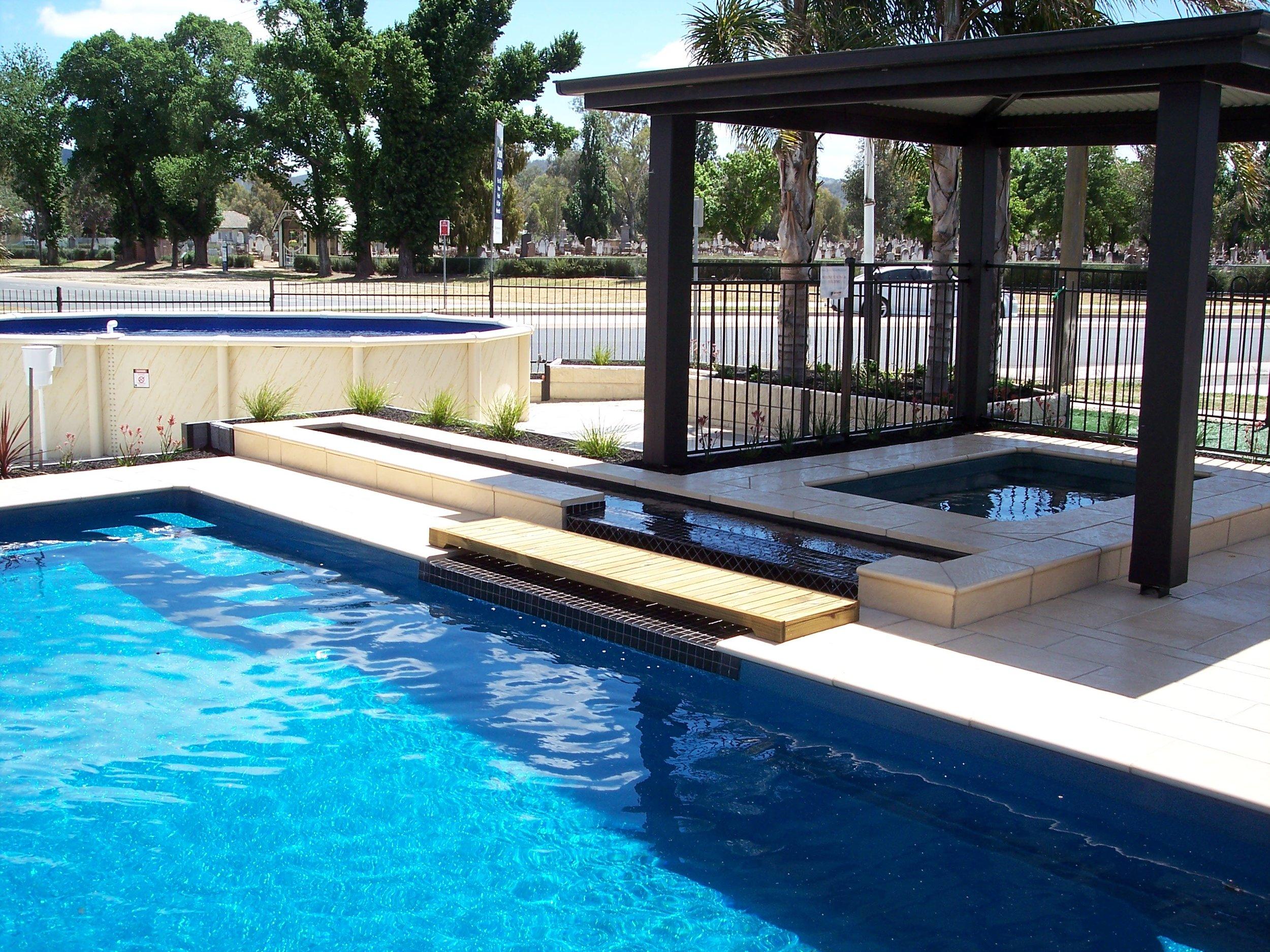 profile-pools-landscaping_4e2f7ba24f.jpg
