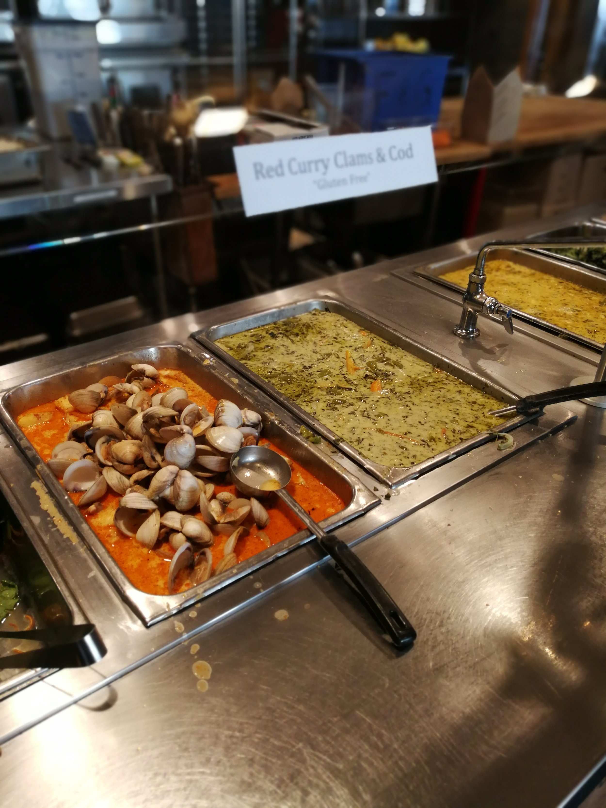 2018年8月  カウンターカルチャーの聖地、カリフォルニア、ビッグサーの Esalen INstitute で学びました。Esalenの畑でとれた野菜を使った食事は有名でこれを目当てに来る人もいるということでした。