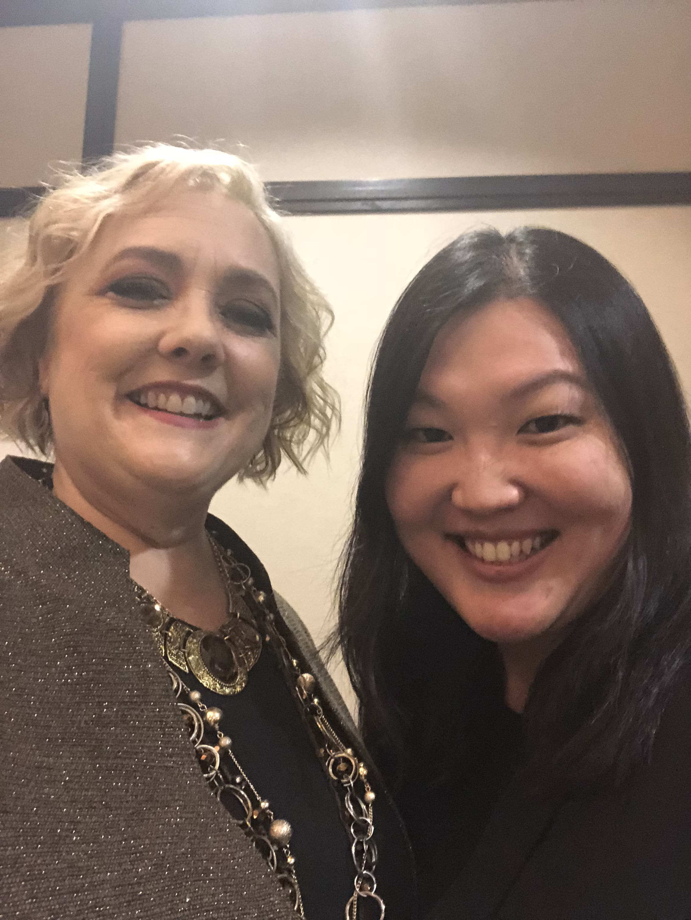 Bian Li with Michelle Berquist, founder of Connected Women of Influence, at the 2018 award ceremony in Orange County, California.