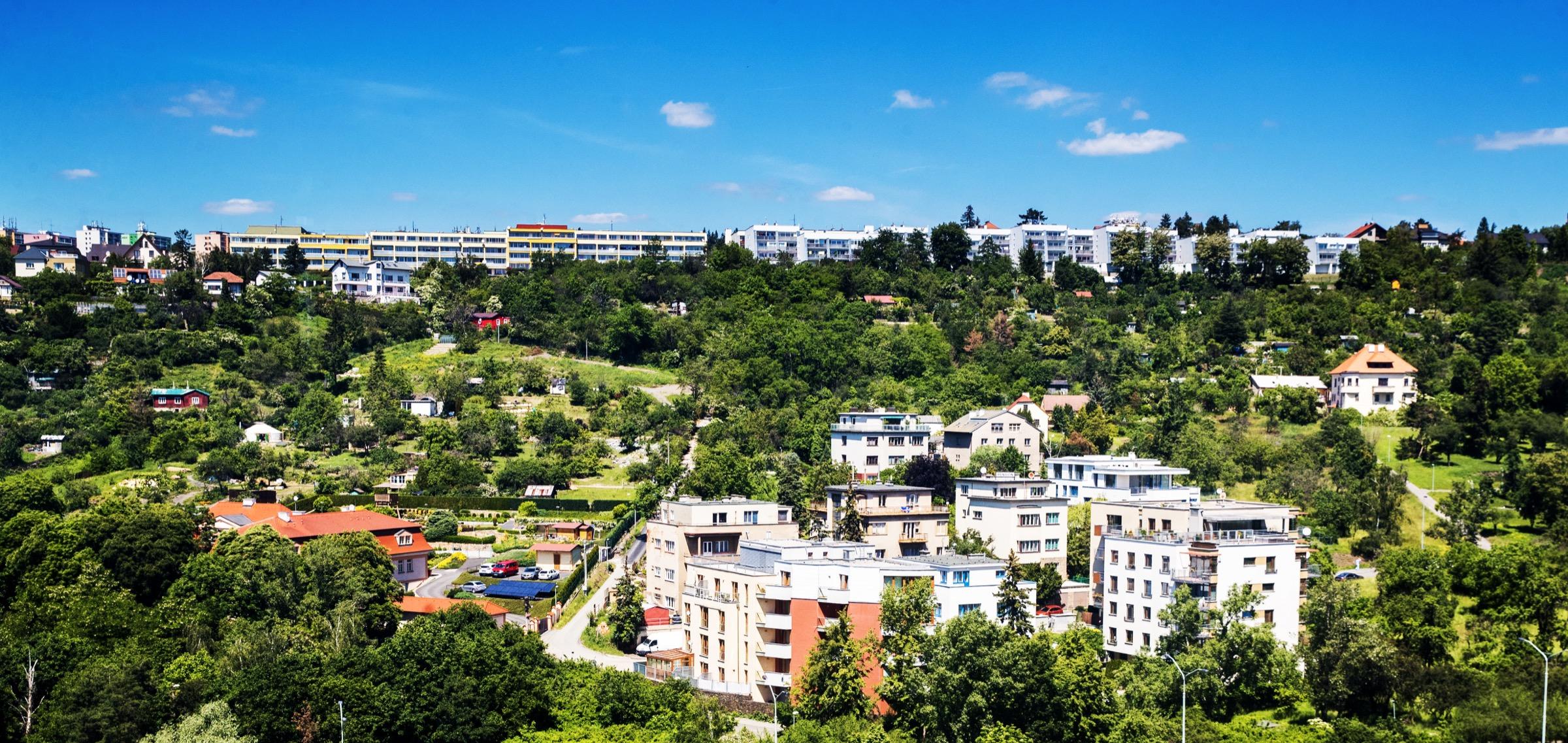 Komorní bydlení v zeleni.