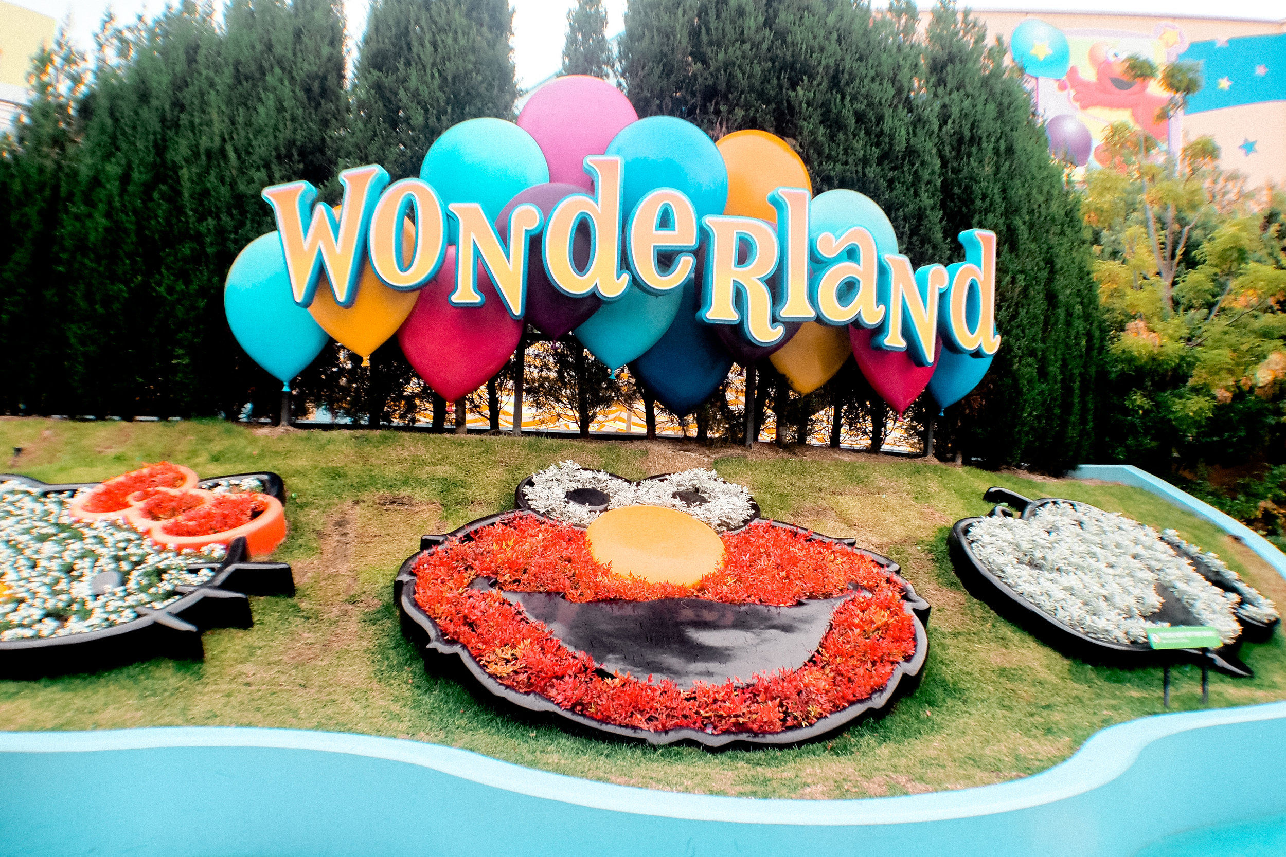 Passed by briefly at the Wonderland to see the kiddie rides.