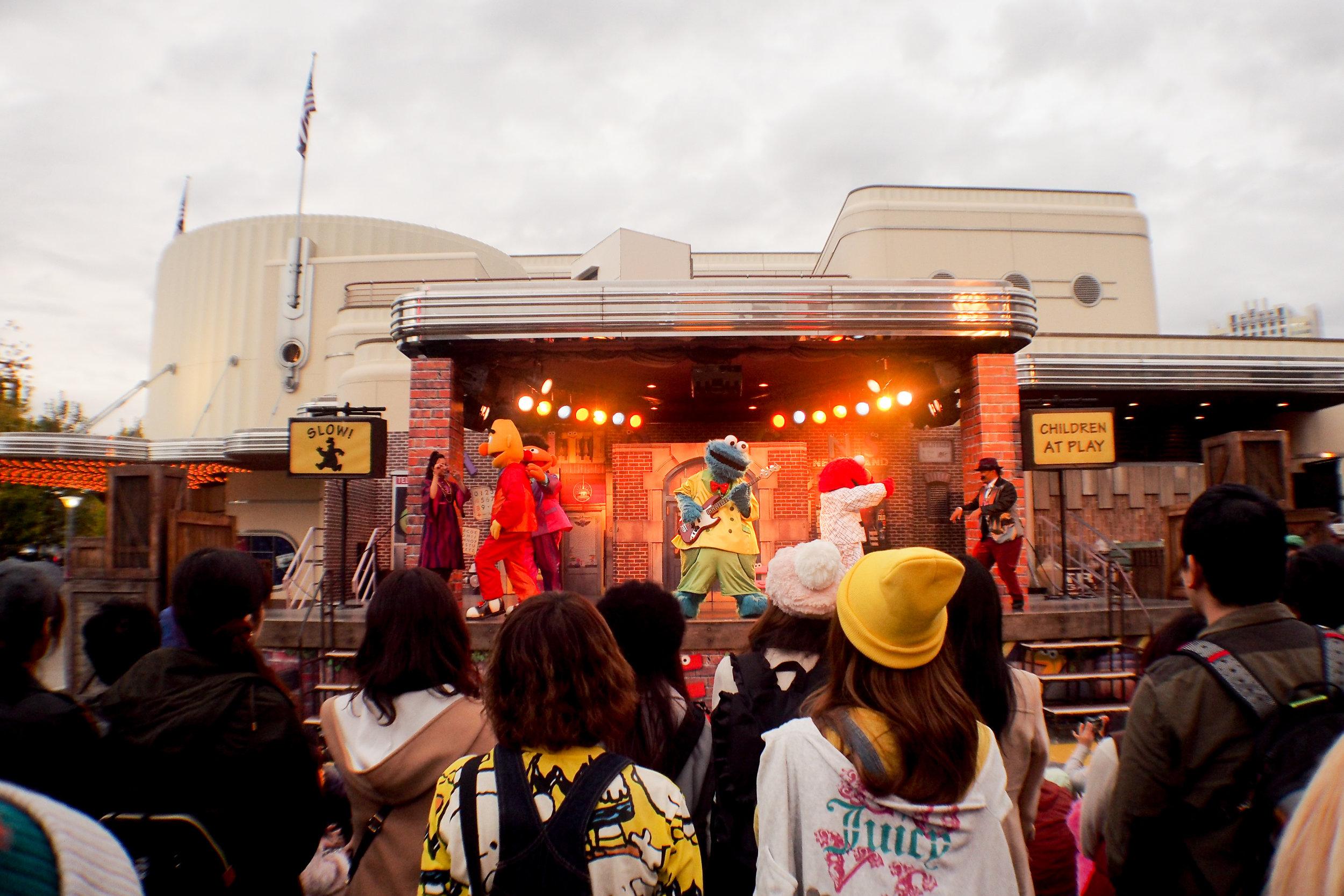 Sesame Street Rhythm Alive performance.