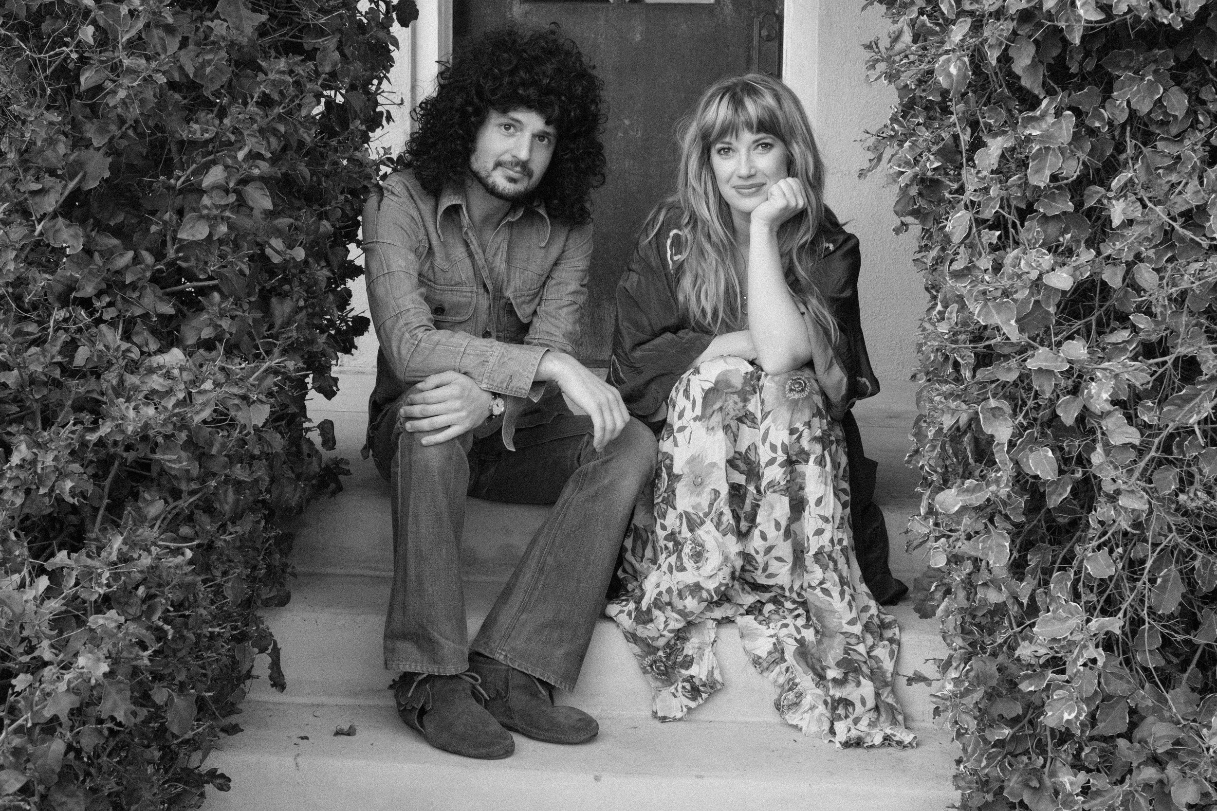 Stevie and Lindsey front porch (70s)_1.jpg