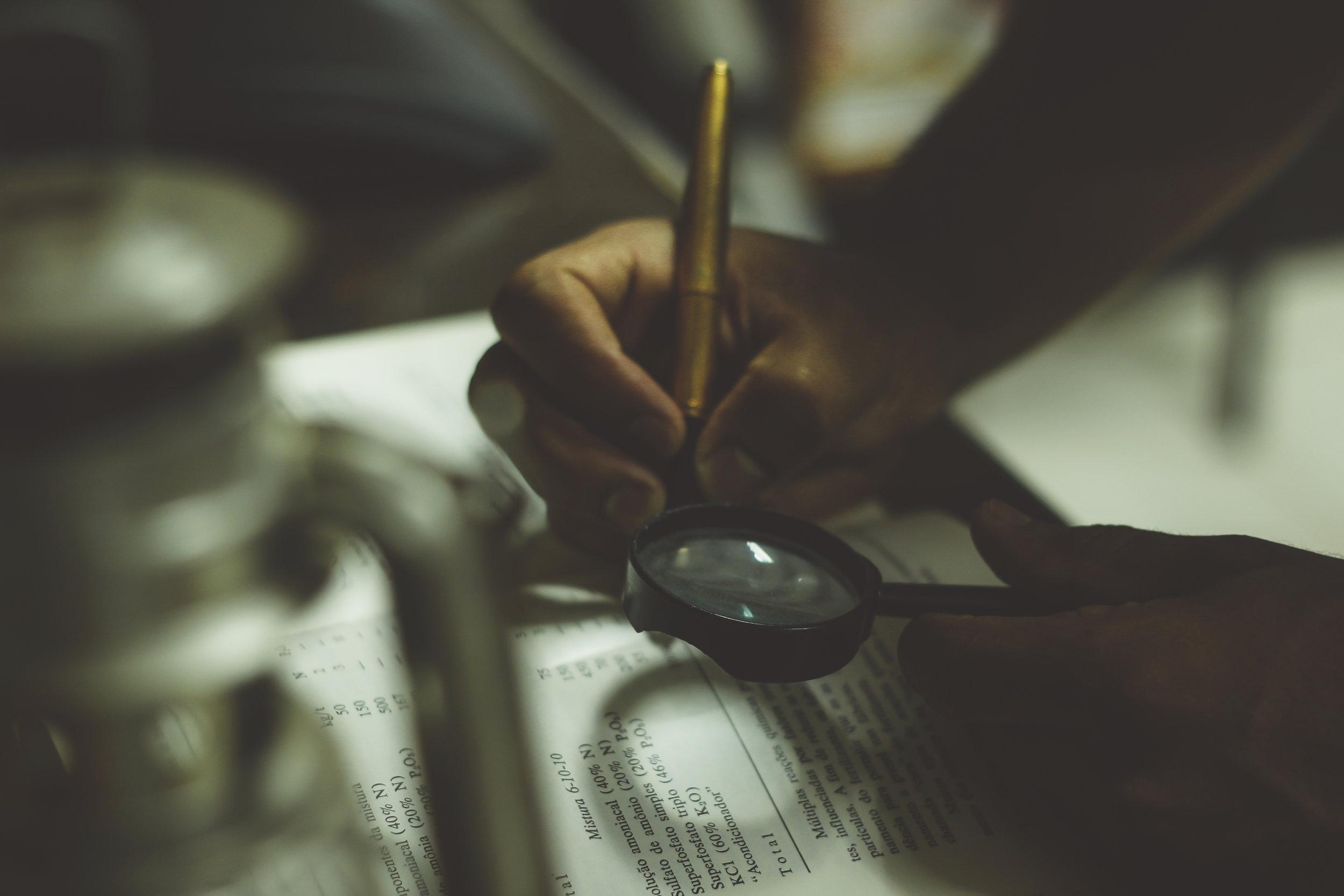 """Audit des communications - Une stratégie bien ancrée dans les tendances actuelles, l'audit permet de faire un tour d'horizon des forces et faiblesses de tous types d'organisations, la culture n'y fait pas exception. Son objectif :- Dresser un état des lieux de vos communications numériques et analyser les performances ;- Redéfinir votre """"persona"""" d'organisation et celui de vos publics cibles ;- Revoir les objectifs stratégiques et élaborer un plan tactique en communication numérique ;- Effectuer une veille concurrentielle ;- Évaluer les résultats et effectuer un suivi organisationnel."""