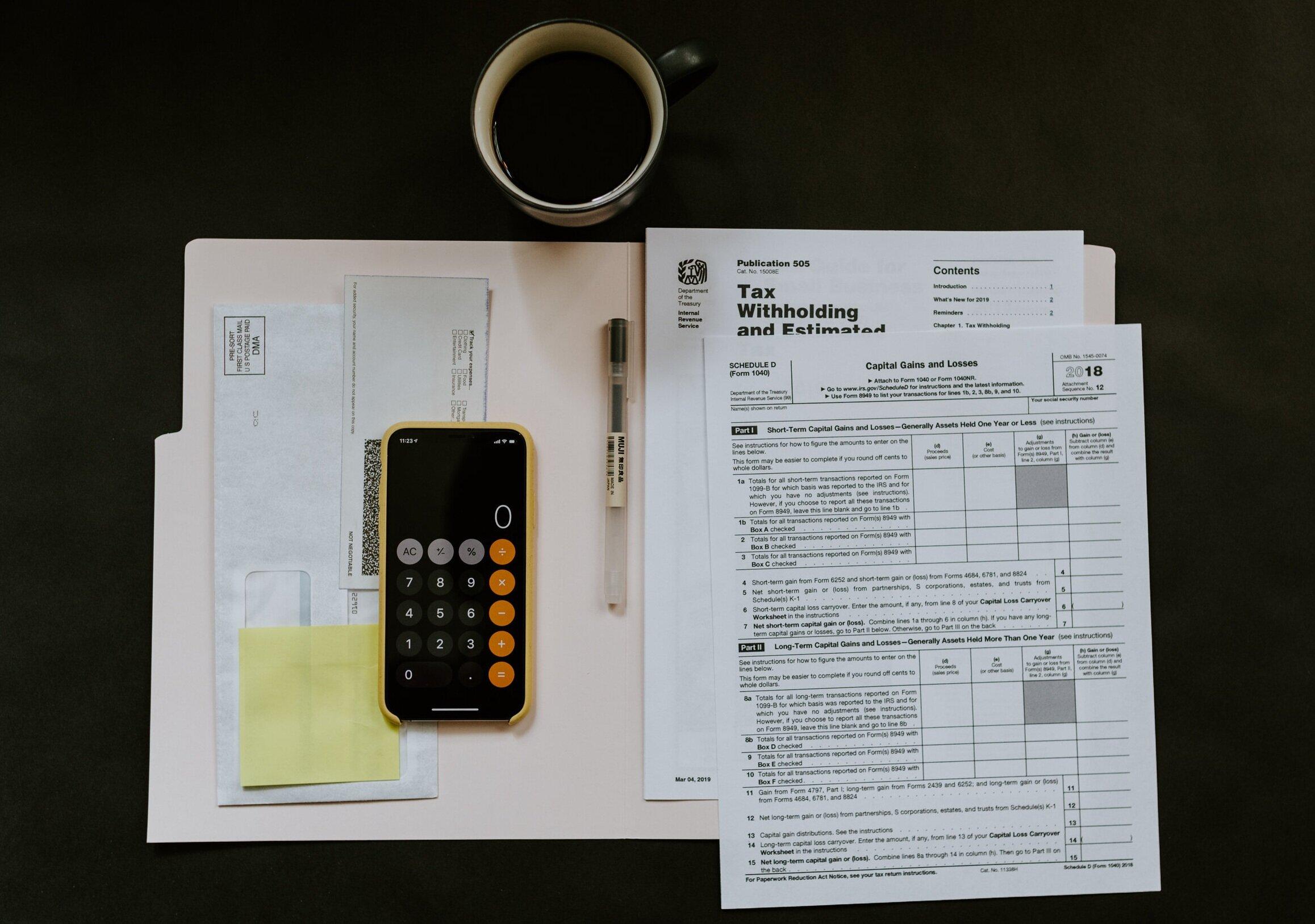 Comptabilité - La tenue des livres de compte est sans nul doute une tâche des plus chronophages pour quelqu'un de novice dans cette discipline. Notre experte en comptabilité, Hélène Couture, est prête à vous en apprendre les rouages et même à le faire pour vous via les services suivants :- Création d'aide-mémoires (ou procédures) pour faciliter l'autonomie- Création d'outils de comptabilité- Création d'une charte comptable selon les activités de la compagnie- Comptabilisation de la paie dans Sage (avec le module de la paie ou sans module)- Projections financières- Fiches de paies- Charte comptable- Etc.