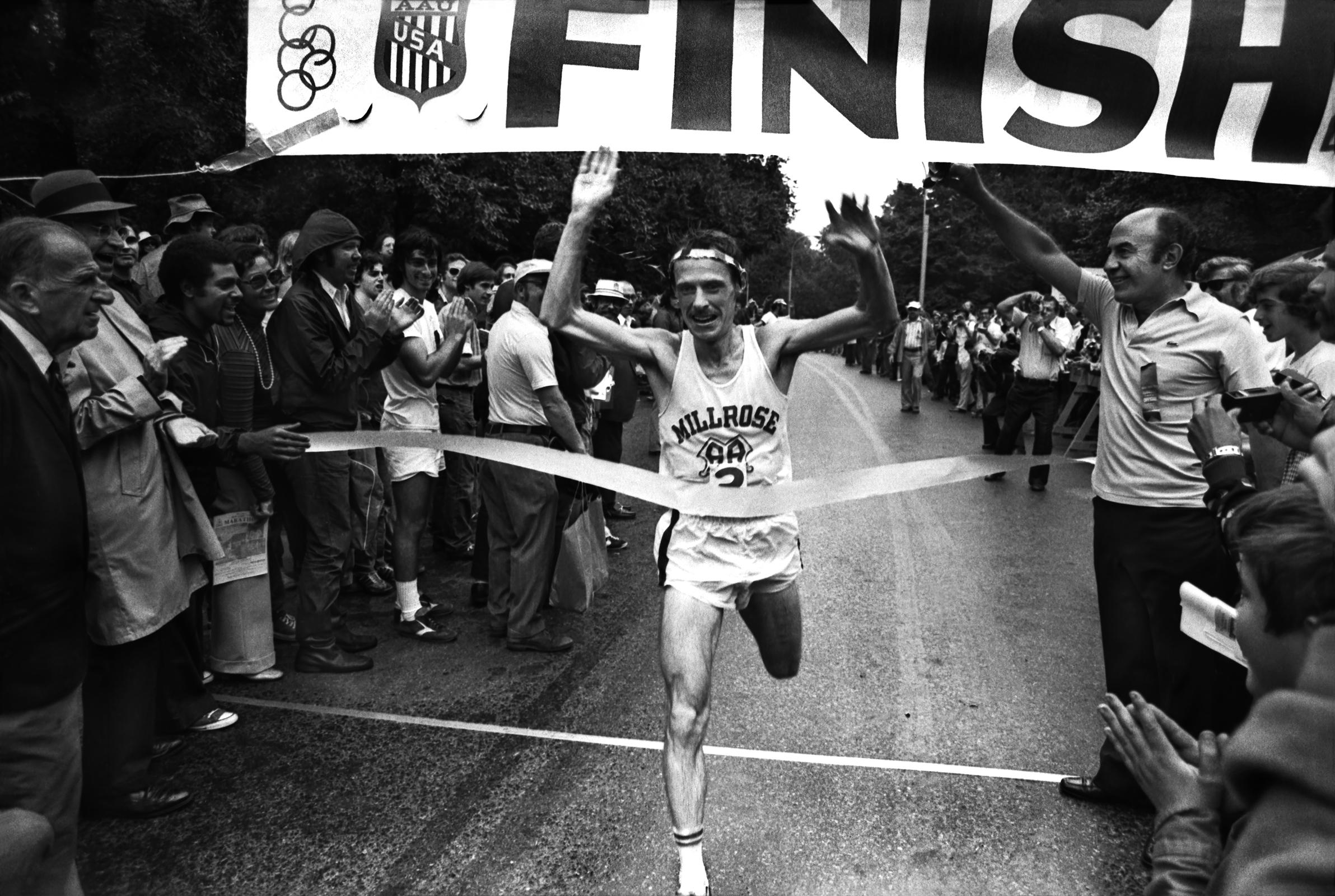 norbert sander winning the NYC marathon, 1974