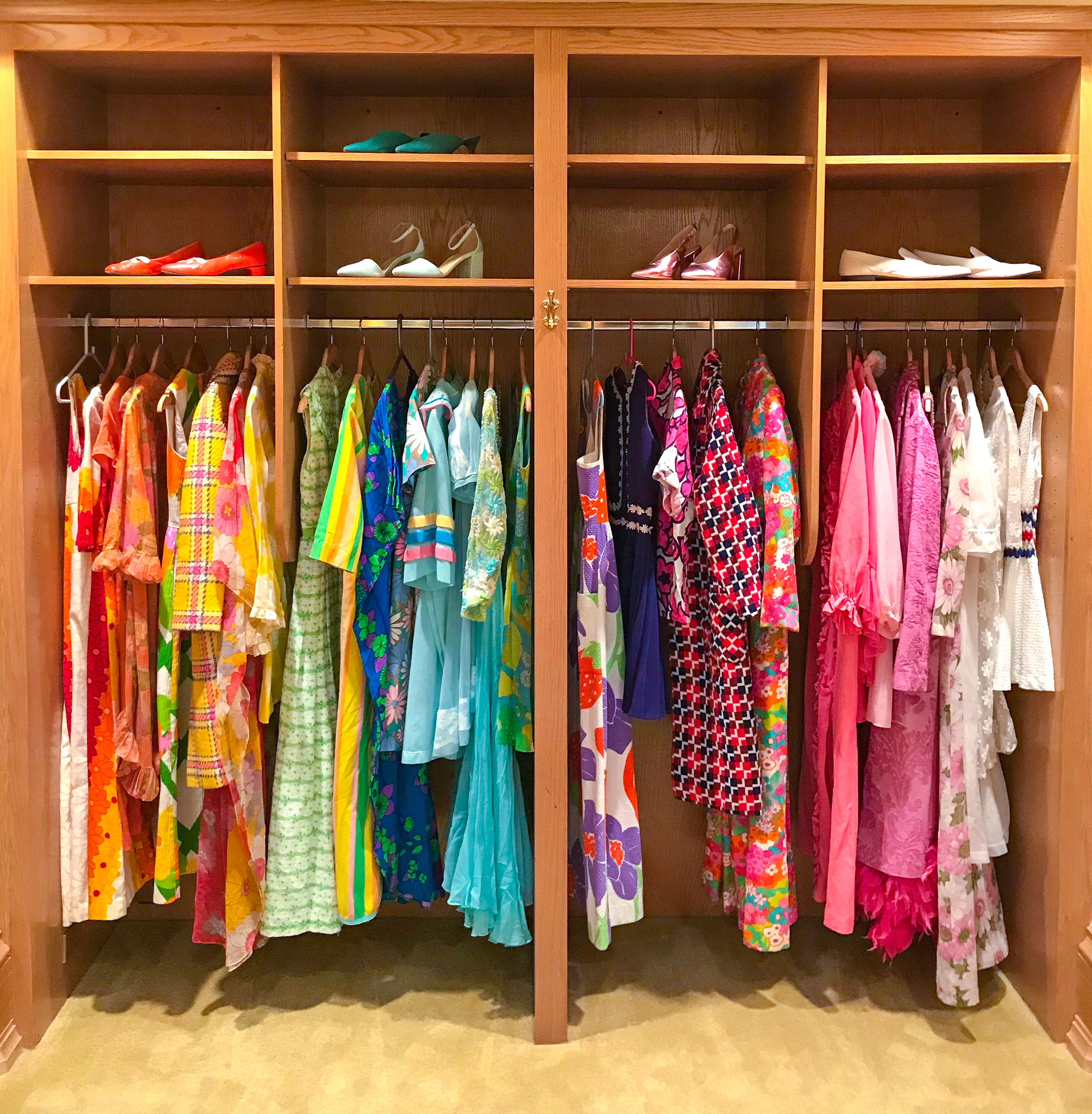 Samantha Klein Influencer Stay Pond Estate Wardrobe