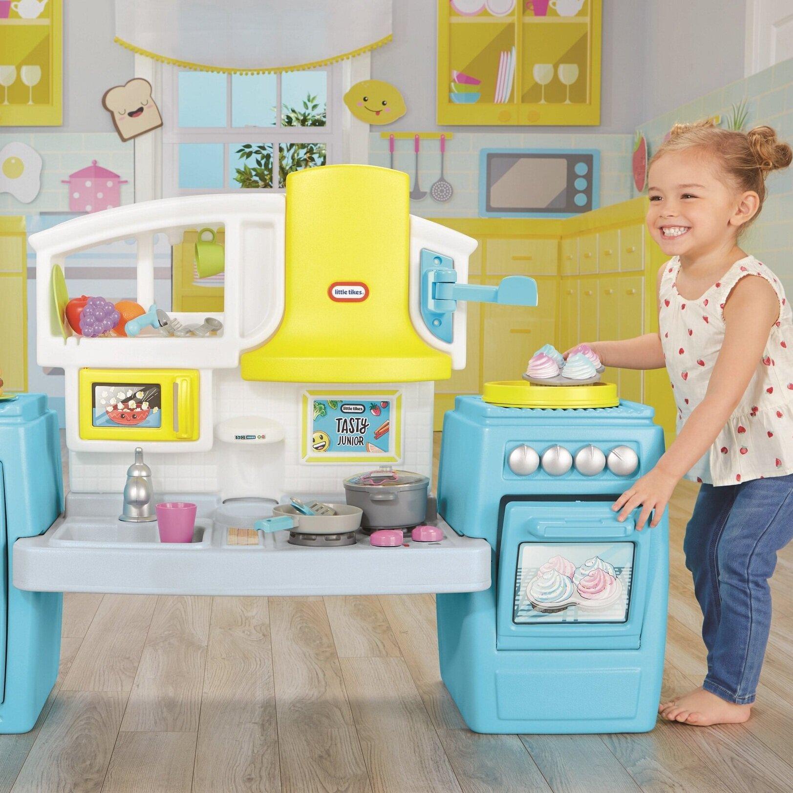 Bake 'n Share play Kitchen - $79.98