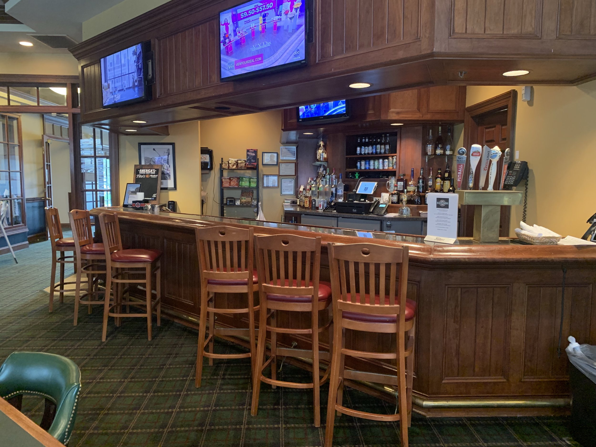 Located in the Clubhouse at Klein Creek Golf Club, the  Creekside Restaurant  is open to the public and offers great food, ambience, atmosphere and amenities at affordable prices. The Creekside Restaurant is open daily for lunch and dinner throughout the golf season.