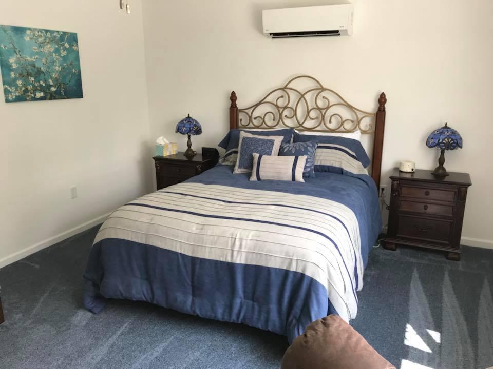 inn 201 bed.jpg
