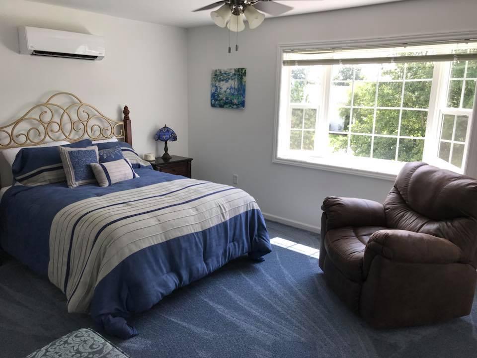 inn 201 bedroom.jpg