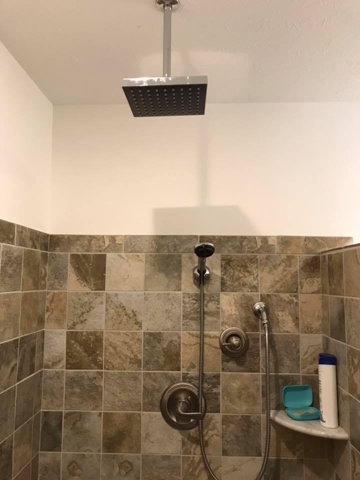 inn 201 shower.jpg