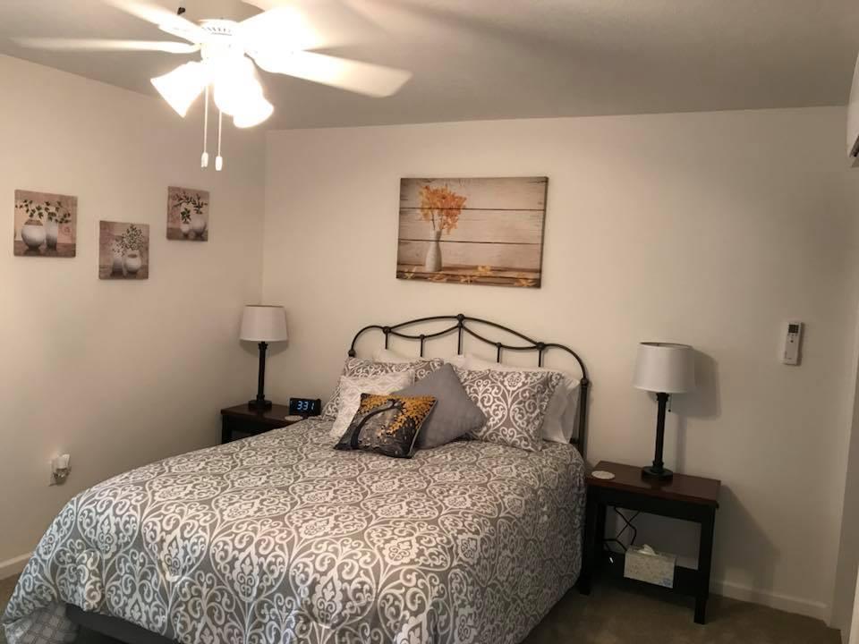 inn 202 bedroom1.jpg