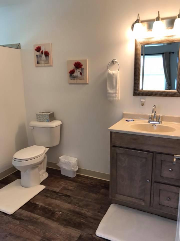 inn 203 bathroom1.jpg
