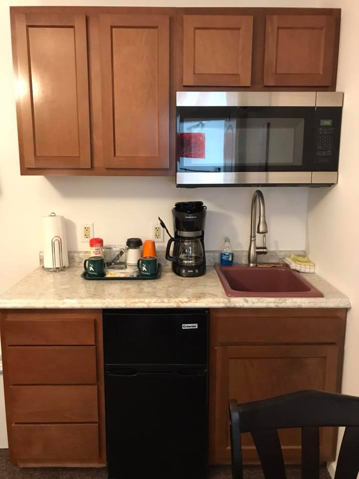 inn 203 kitchenette.jpg