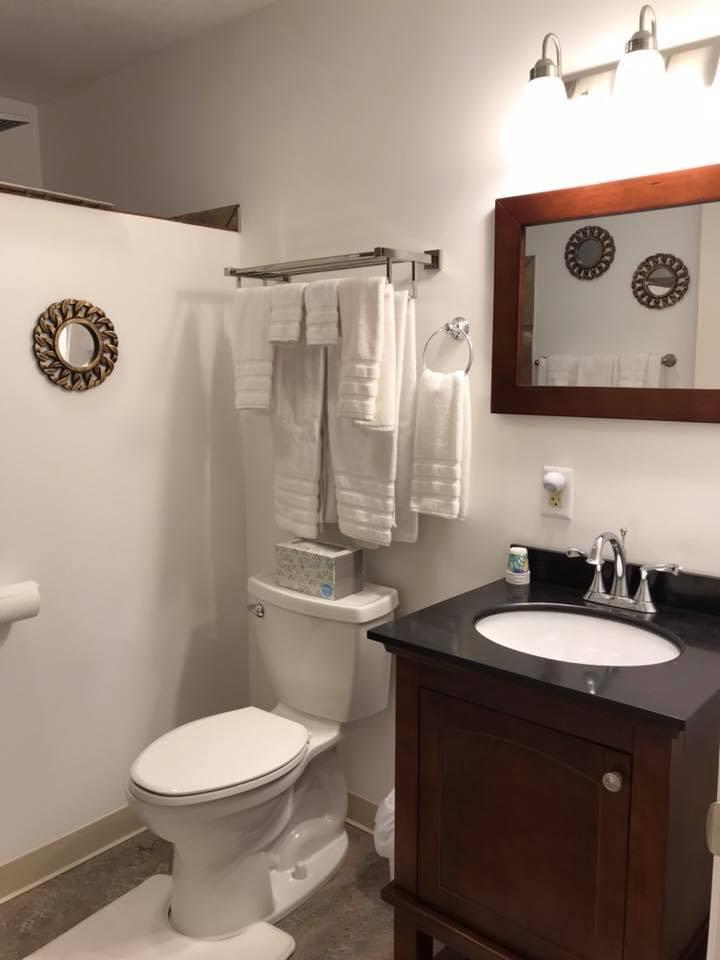 inn 205 bathroom.jpg