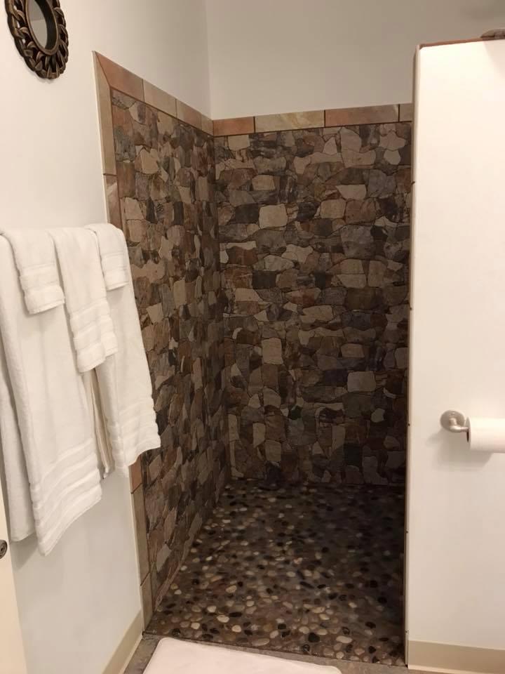 inn 205 shower1.jpg