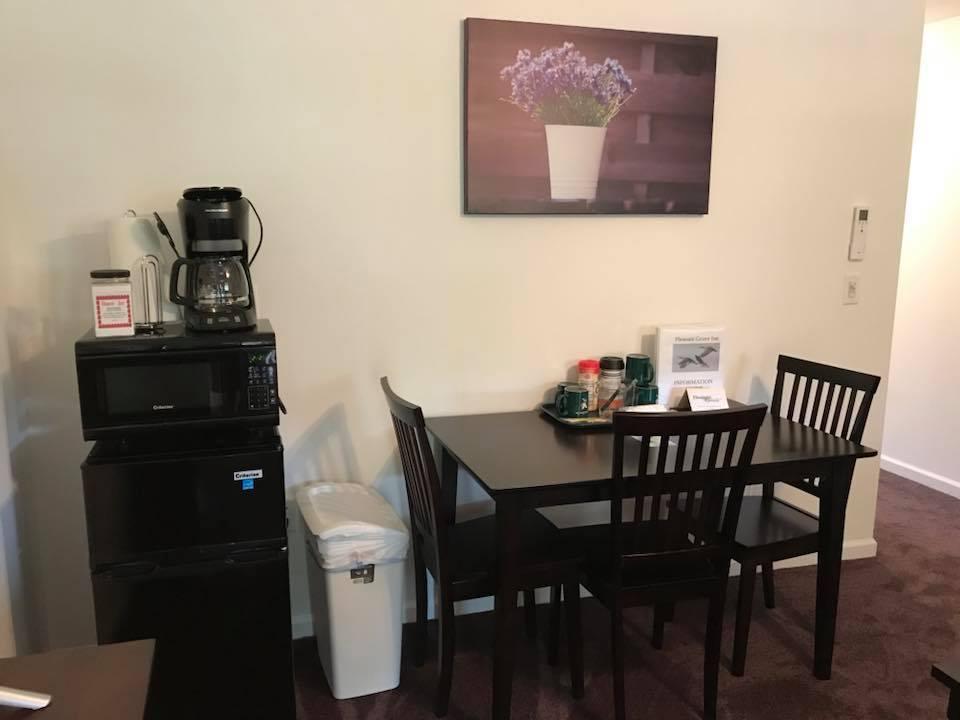 inn 205 table micro.jpg