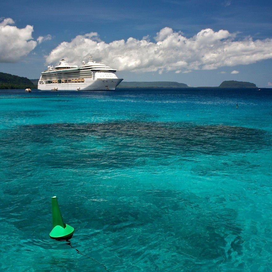 The Radiance of the Seas in Tahiti