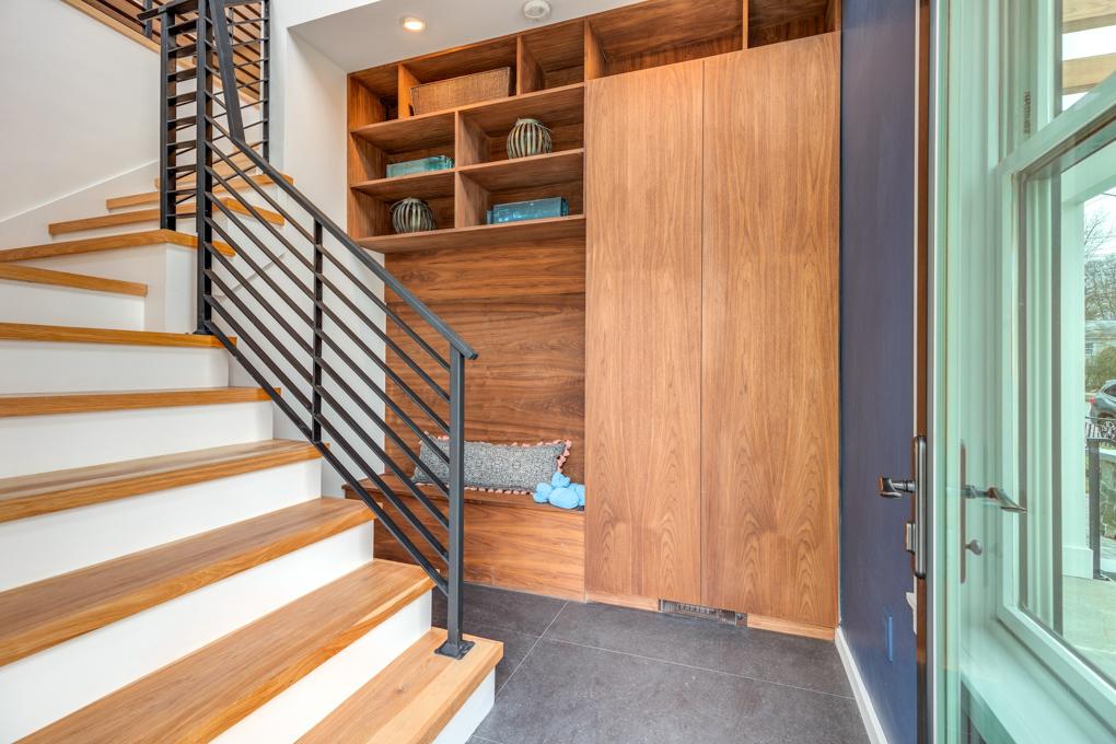 5_Foyer.jpg
