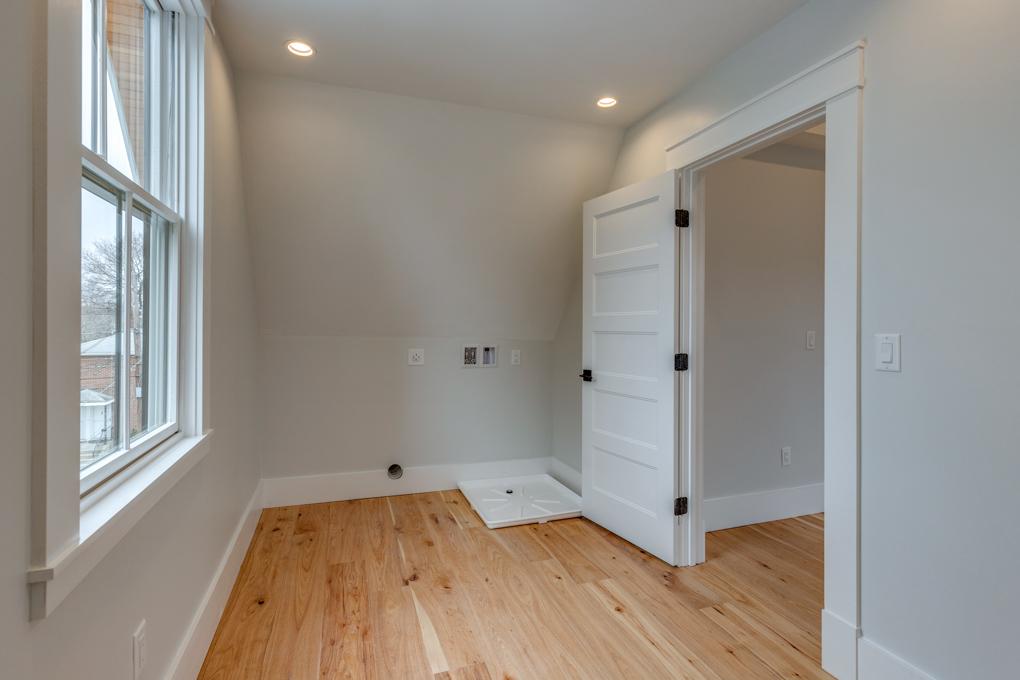 30_Bedroom-8.jpg