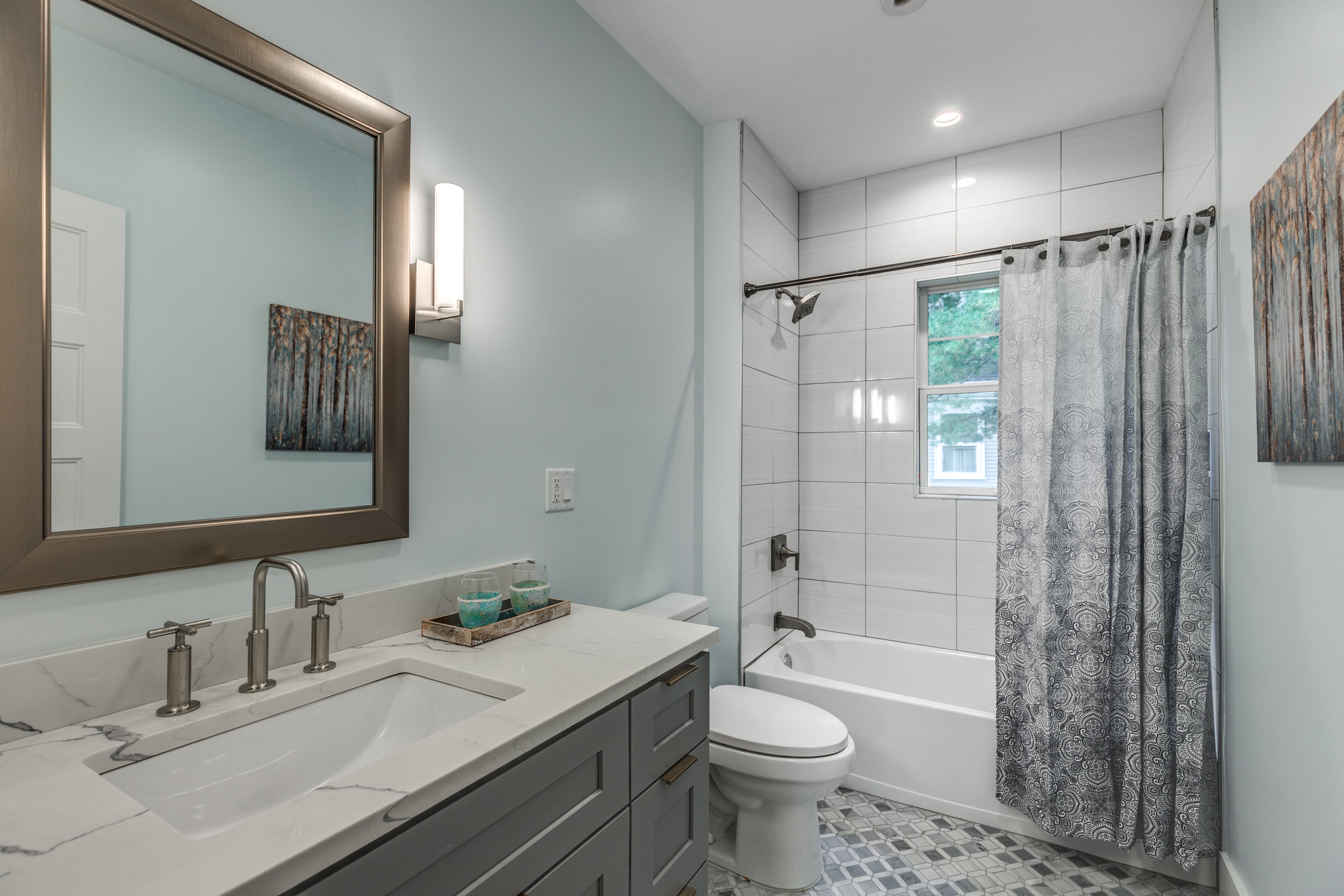 23_Bathroom-4.jpg