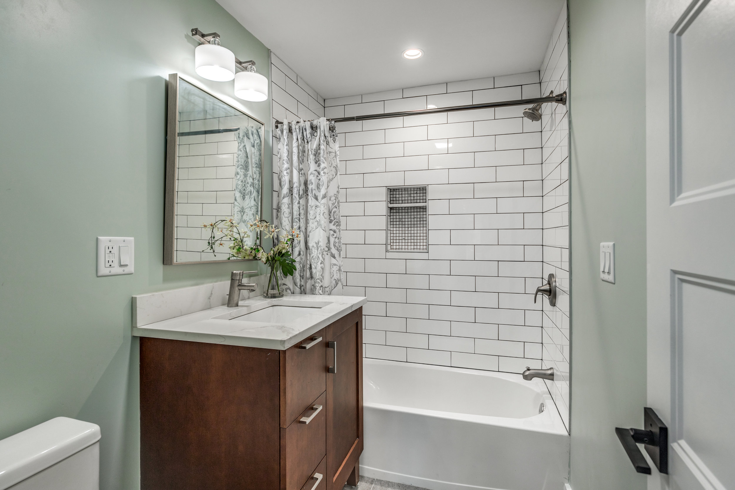 31_Bathroom-6.jpg