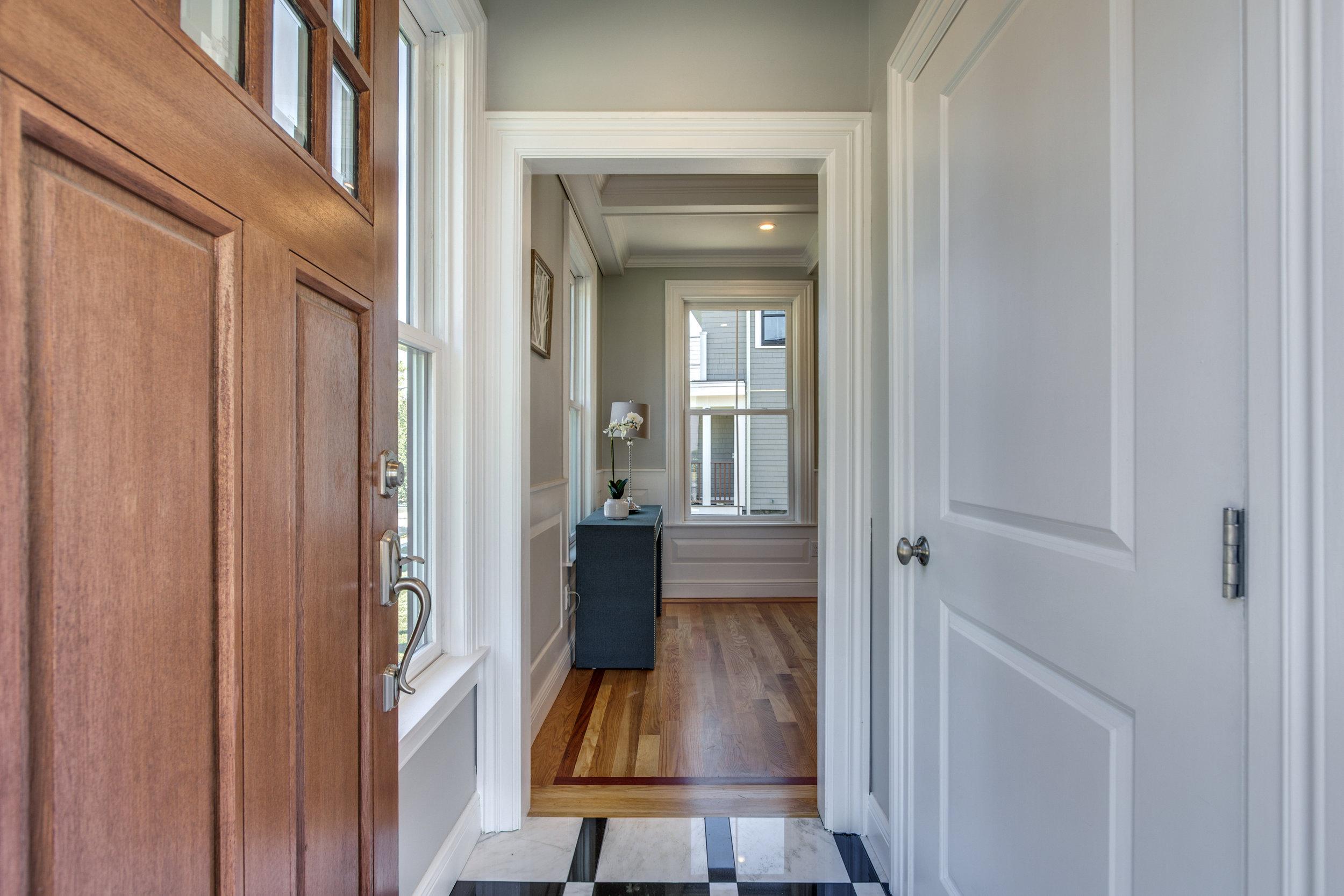 7_Foyer.jpg
