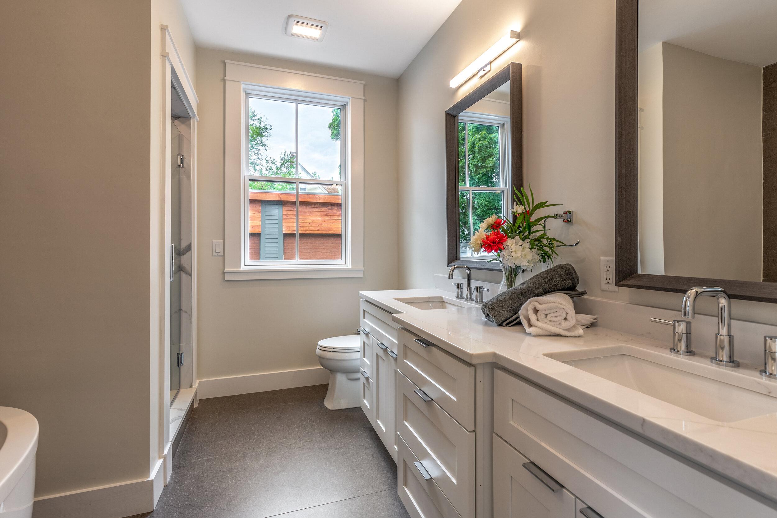 19_Bathroom-4.jpg