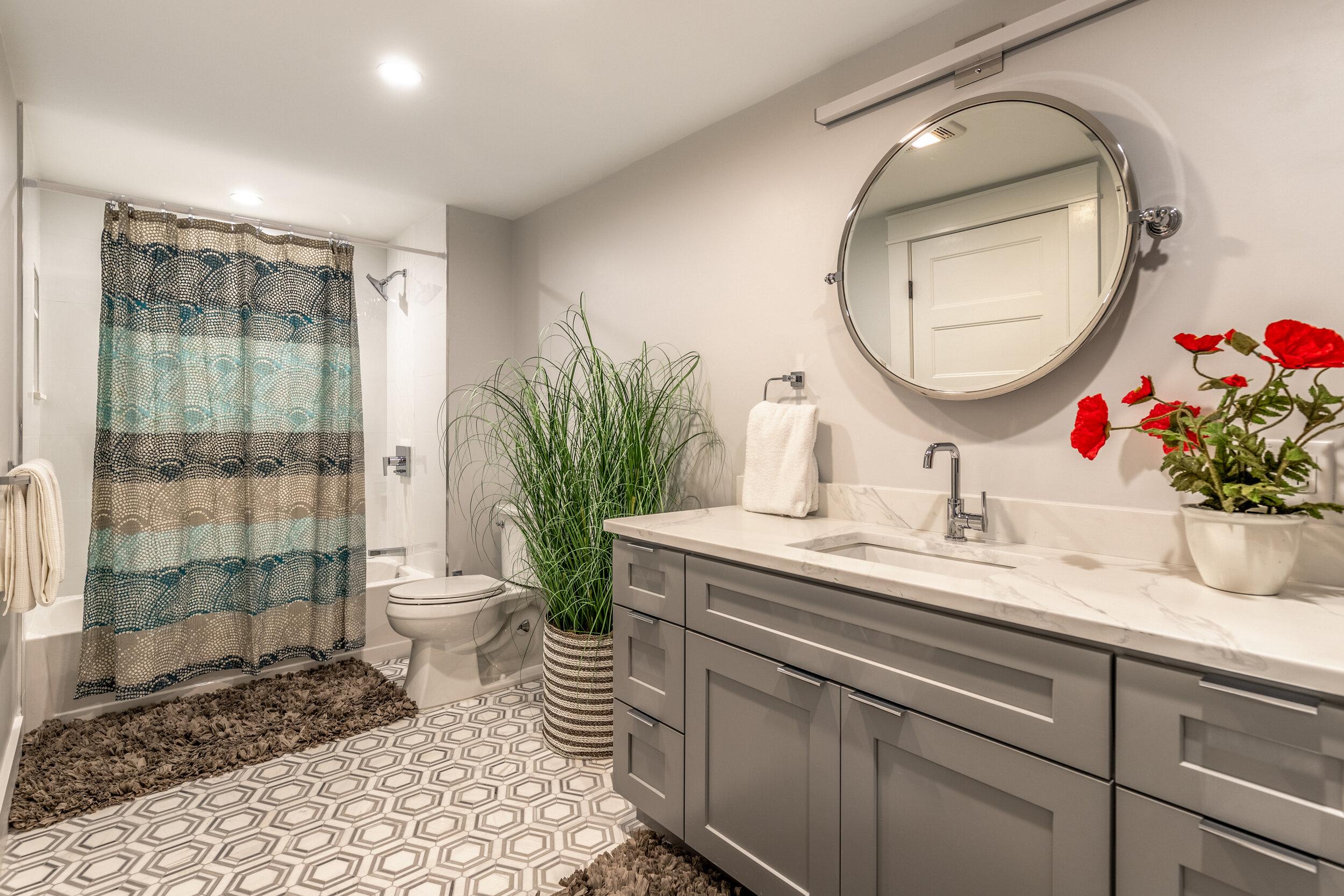 25_Bathroom-5.jpg