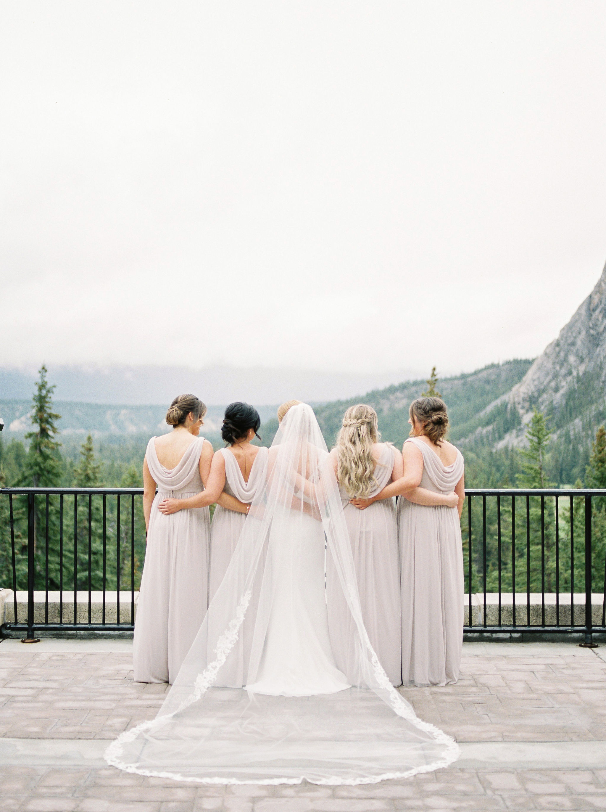7 Tips for Choosing Your Wedding Photographer - Tips from the Pros - Kristyn Harder Photography on the Bronte Bride Blog