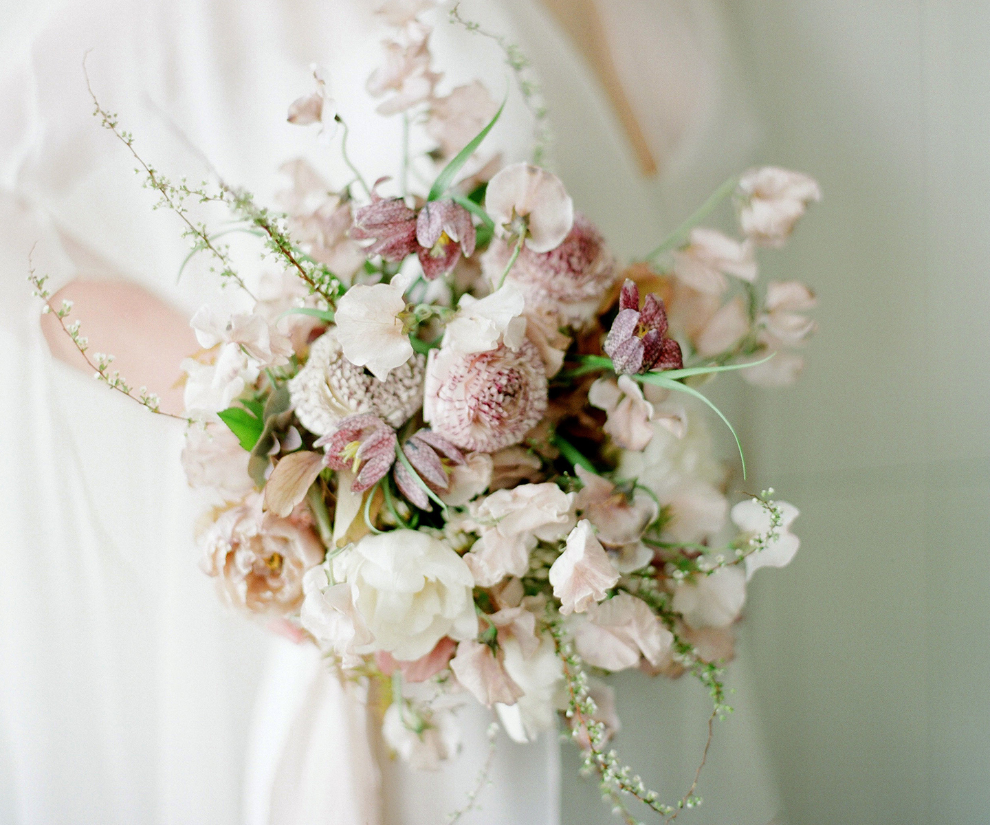 Bridal Bouquet Inspiration for Spring: 12 of the Prettiest Bouquets We've Seen This Spring in Alberta and the Rockies - Fall For Florals on The Bronte Bride