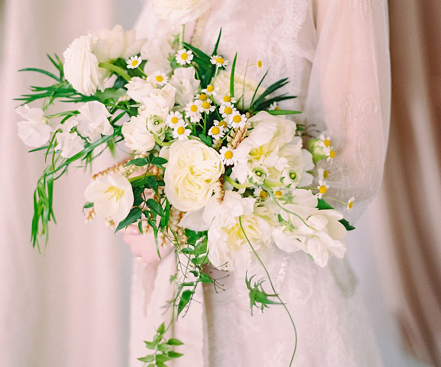 Bridal Bouquet Inspiration for Spring: 12 of the Prettiest Bouquets We've Seen This Spring in Alberta and the Rockies -Fall For Florals on The Bronte Bride