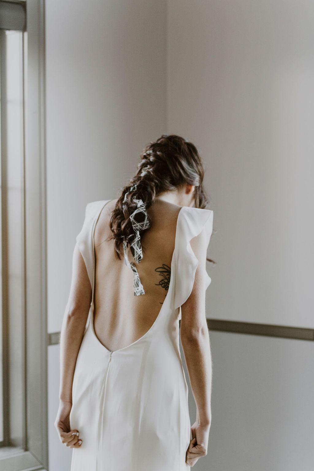 La Mariée Moderne - Styled Bridal Shoot at Crestmont Hall in Calgary, Alberta - on the Bronte Bride Blog