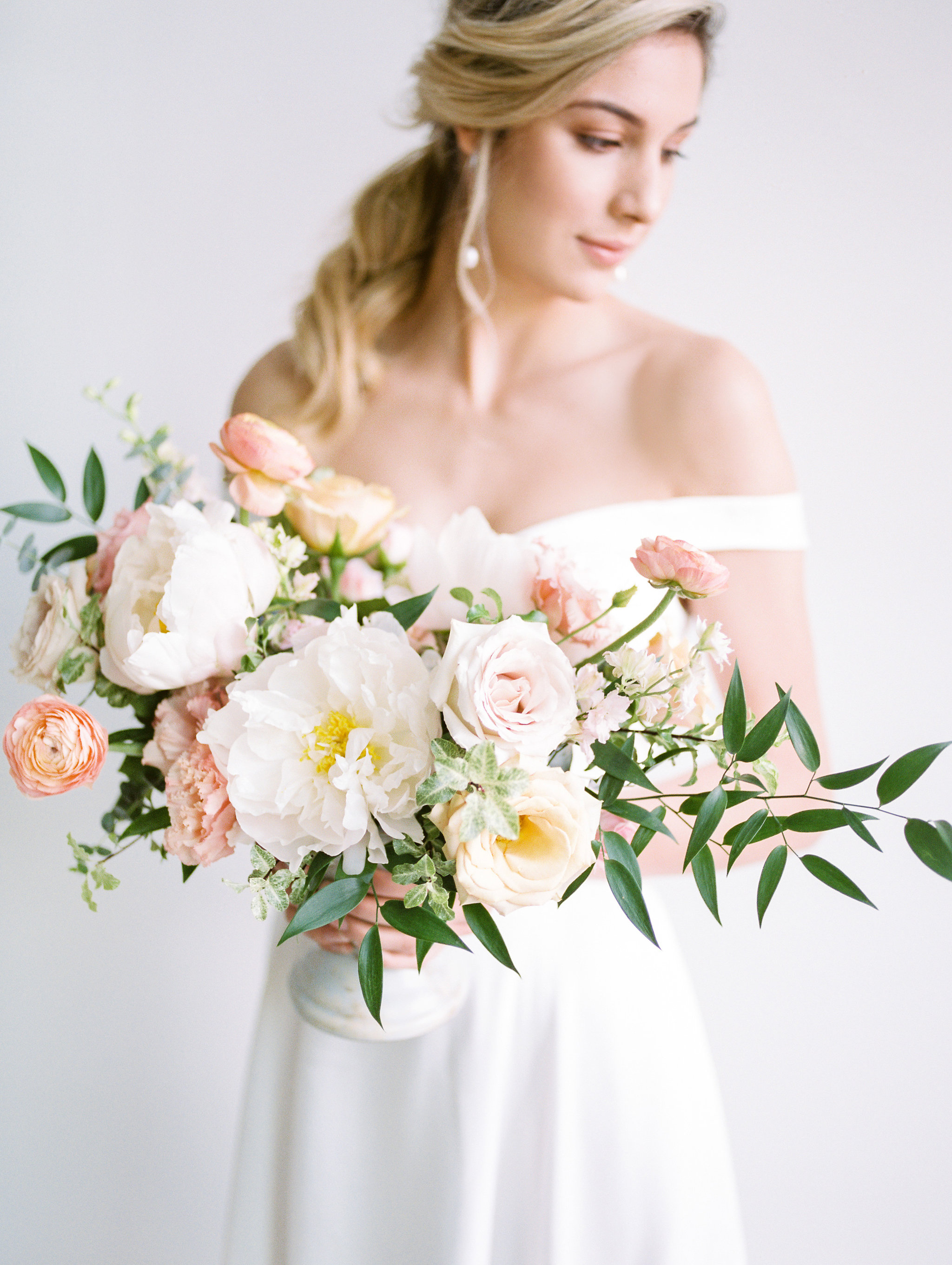 This Stunning Shoot Combines Fine Art Inspiration and Colourful Florals in the Most Beautiful Way - on the Bronte Bride Blog