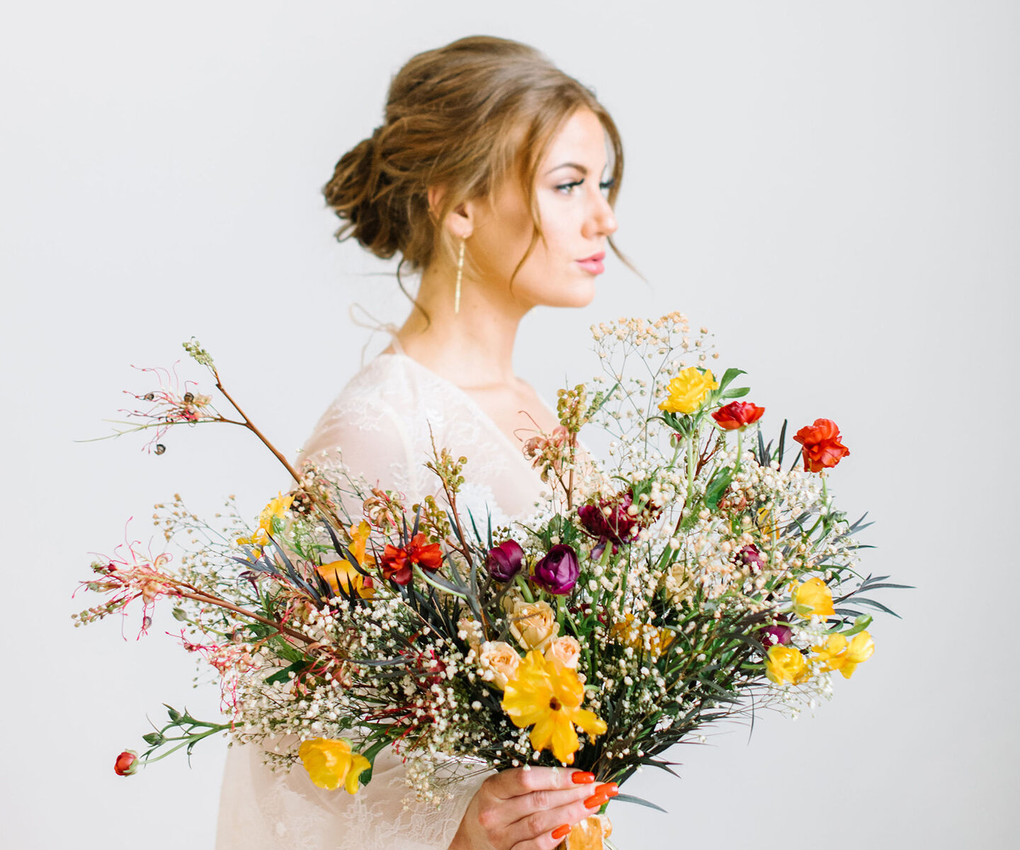 Bridal Bouquet Inspiration for Fall: 15 of the Prettiest Bouquets We've Seen This Autumn in Alberta and the Rockies