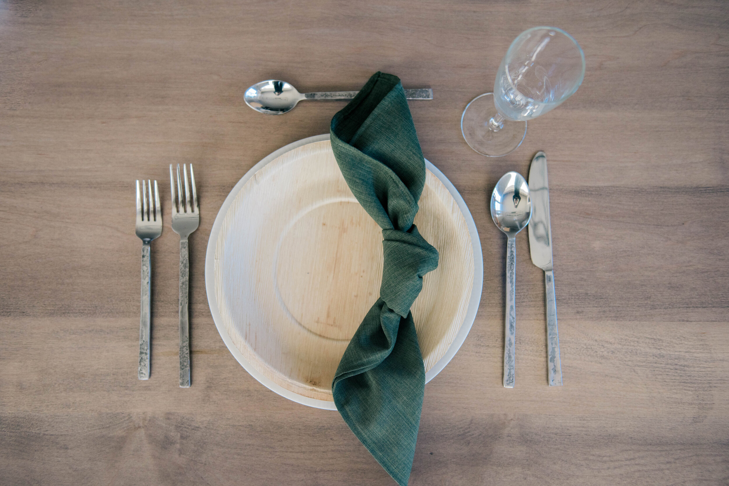 Reception Place Setting Inspiration // 6 Different Napkin Folds For Your Wedding Table - on the Bronte Bride Blog