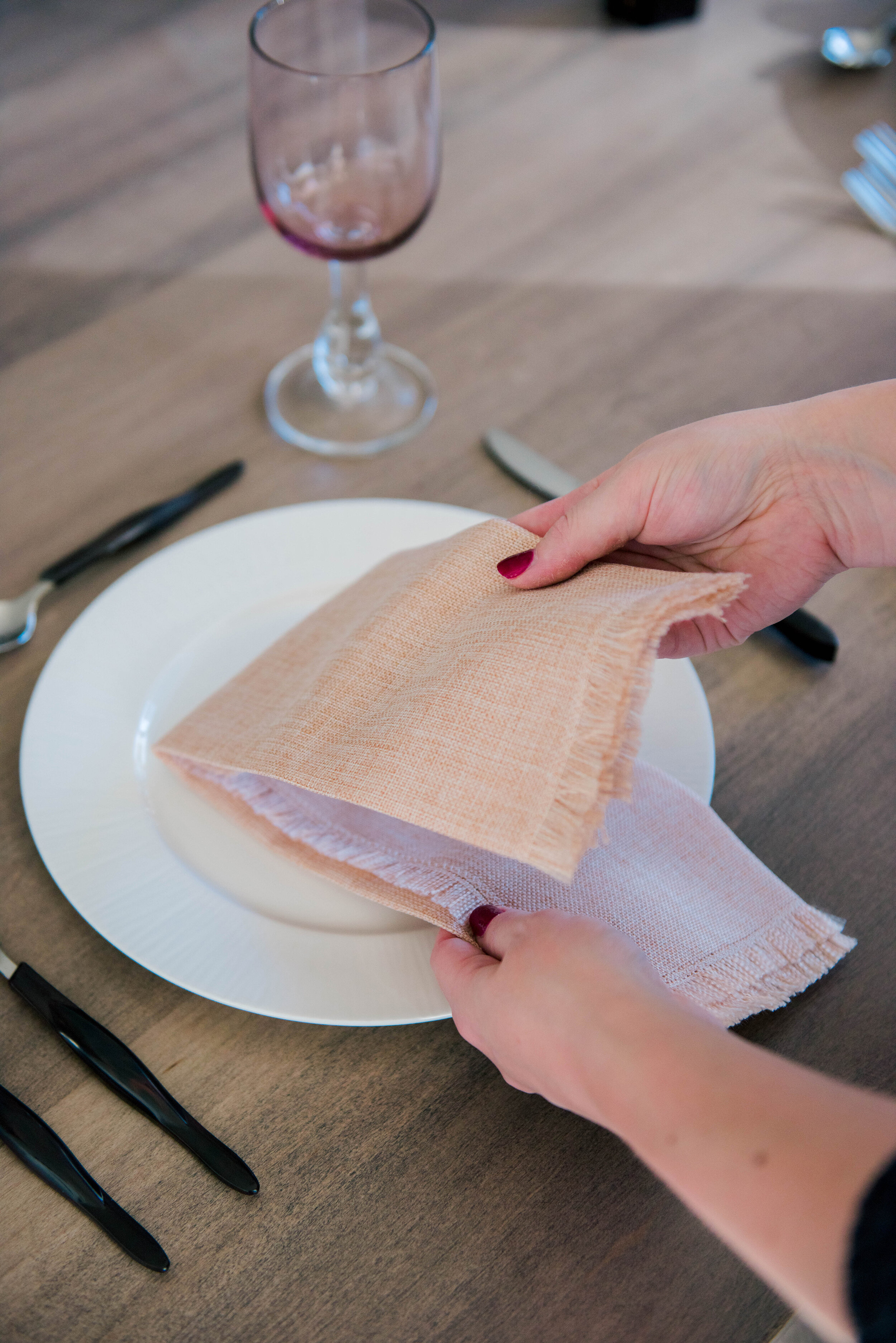 6 Different Ways to Fold Napkins and Set Up Place Settings For Your Wedding Reception - on the Bronte Bride Blog