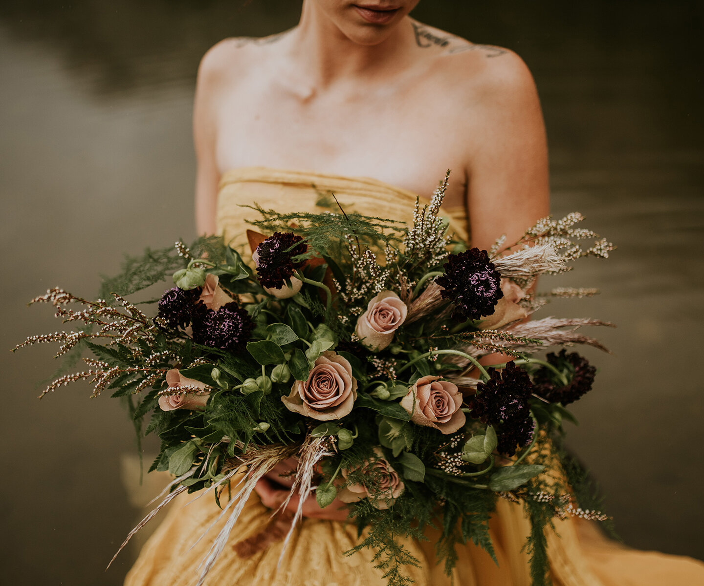 Bridal Bouquet Inspiration for Winter: 16 of the Prettiest Bouquets For Every Winter Wedding Style