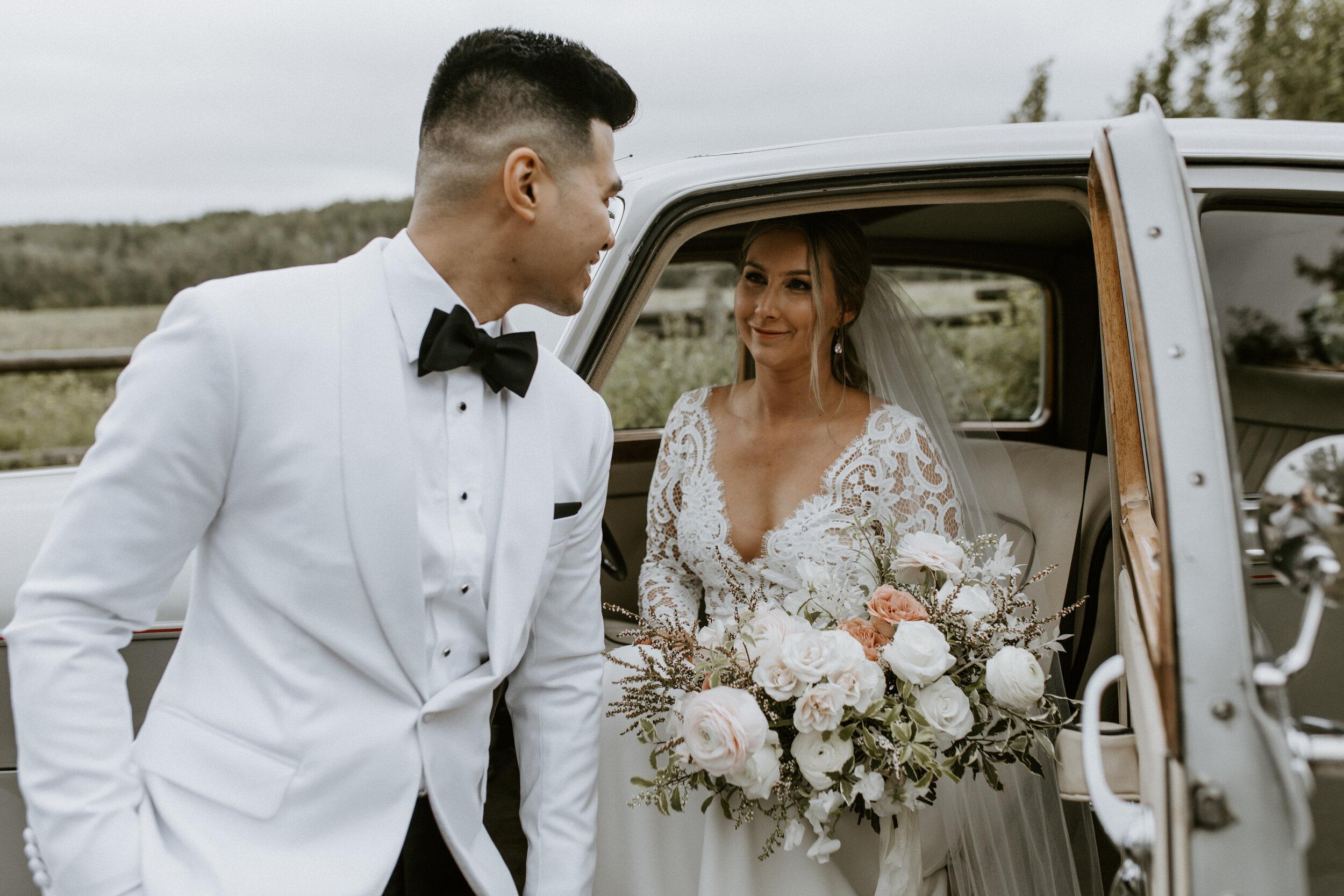 Bride and Groom - Wedding Style Inspiration - Just Married - Vintage Rental Car