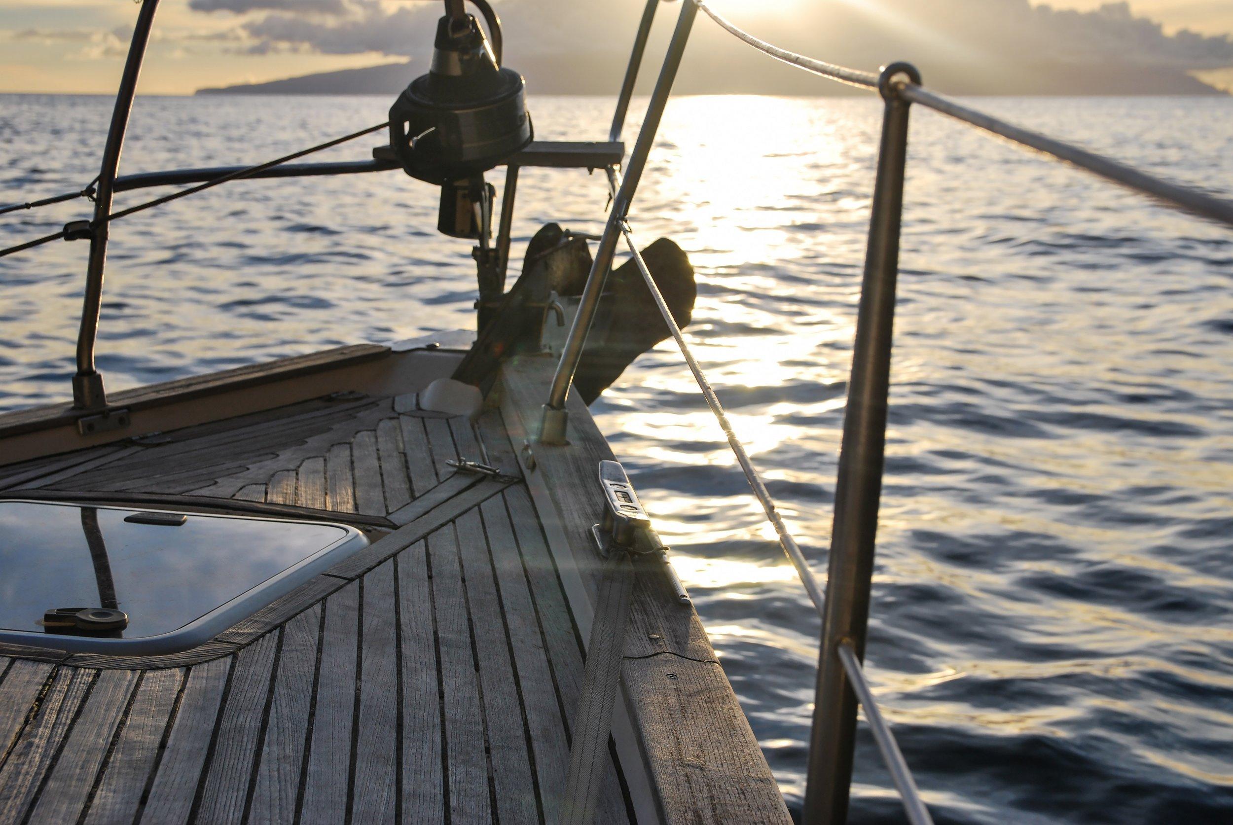 boat-deck-leisure-238367.jpg