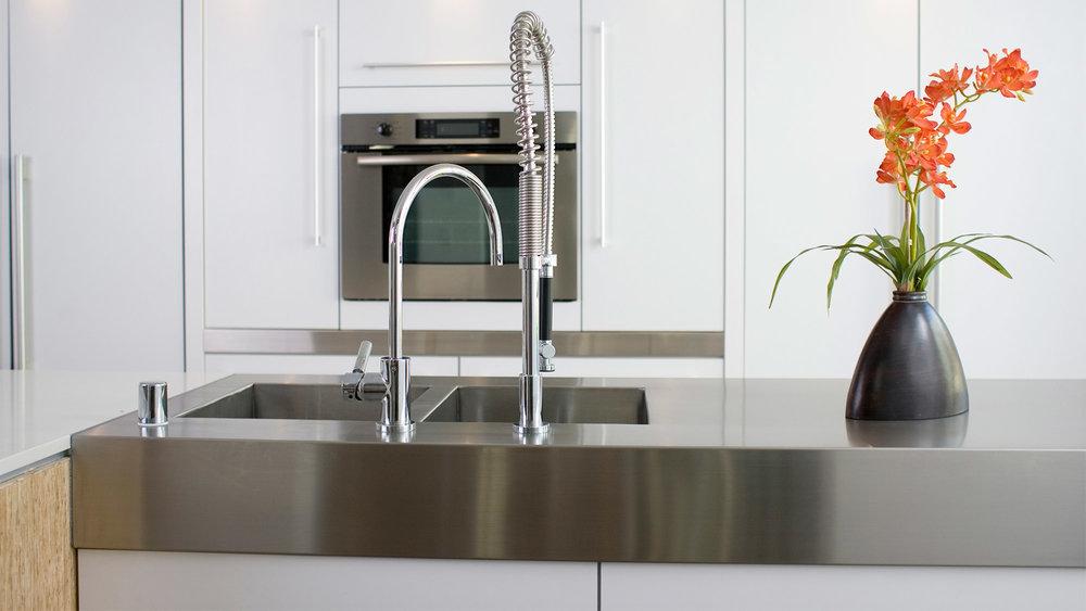 Stainless-Steel-Countertops.jpg