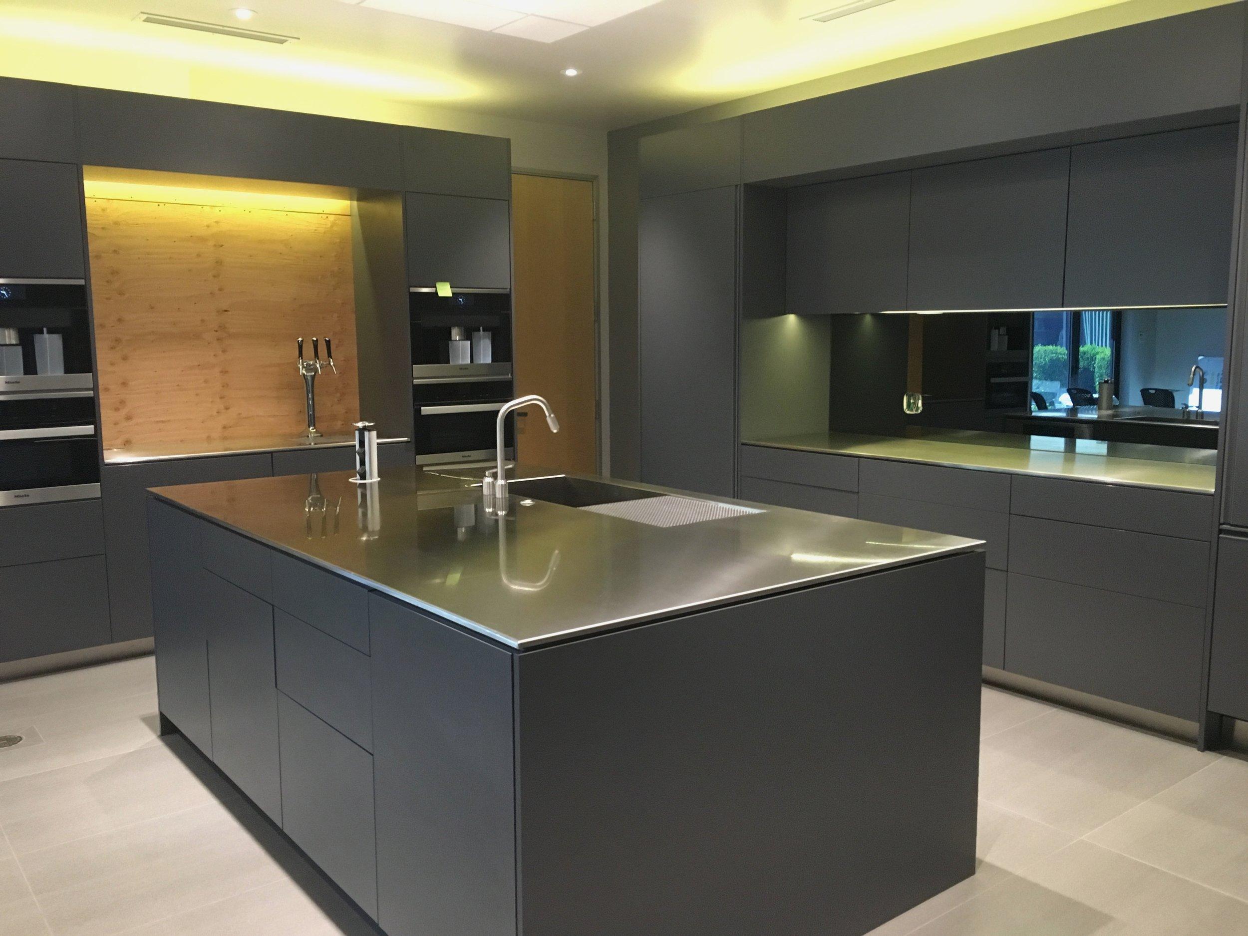 Movable-Kitchen-Island-Kitchen-Storage-Cart-Stainless-Steel-Cart.jpg