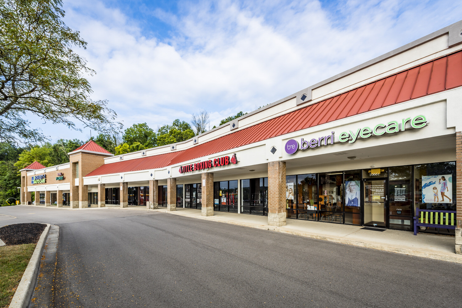 Real Estate, Commercial, Exterior, Shopping Plaza