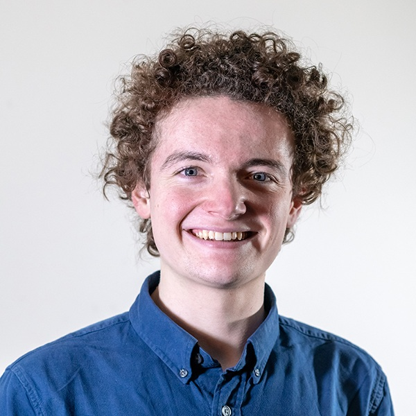 Cameron Nixon   Cameron Nixon is a twenty year old Scots singer and fiddle player from Peterculter near Aberdeen. Now attending the Royal Conservatoire of Scotland in third year, Cameron hopes to fulfil his time there by playing with other musicians.