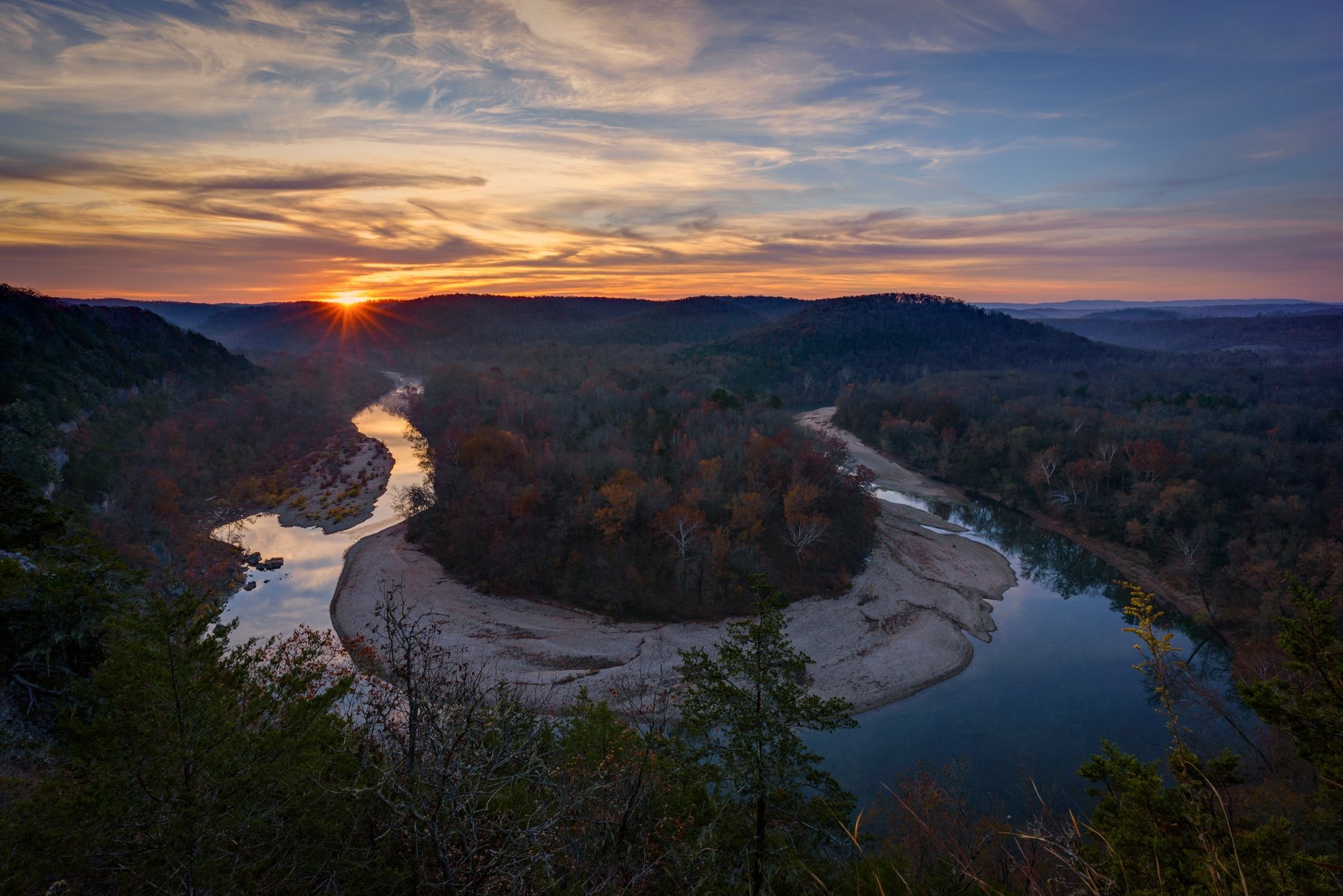 IMG-1867 - sunset panorama middle river .JPG