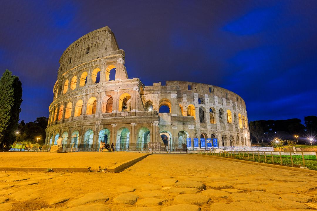 21-2230 Colosseum at Dawn