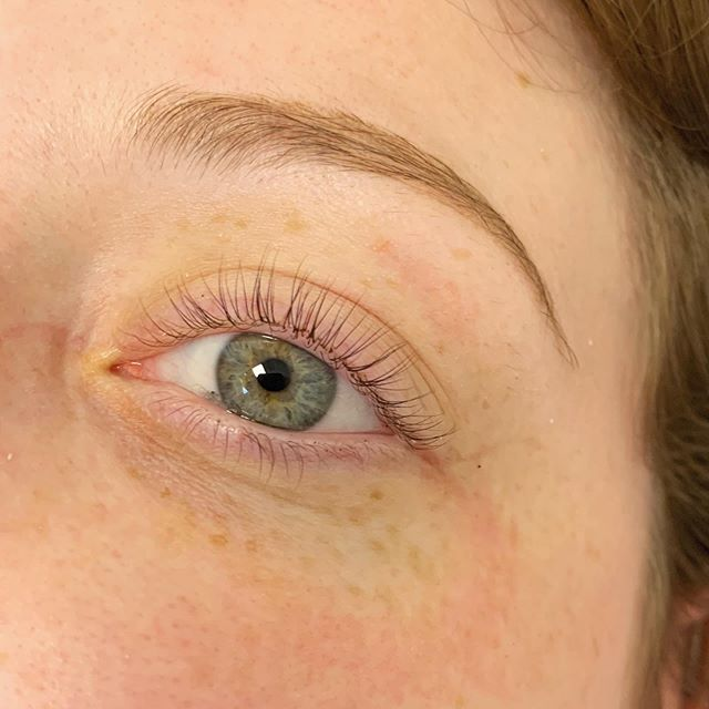 Lash lift and tint on my bestie 🤩 swipe ⬅️ for before . . . . . #lashgoals #lashlift #lashtint #lashes #elleebana #lashbotox #healthylashes #longlashes #facial #waxing #brows #greeneyes #lashextensions #naturalbeauty #nomakeup #lfk #universityofkansas #downtownlawrence #esthetics #esthetician #skincare #perfectskin