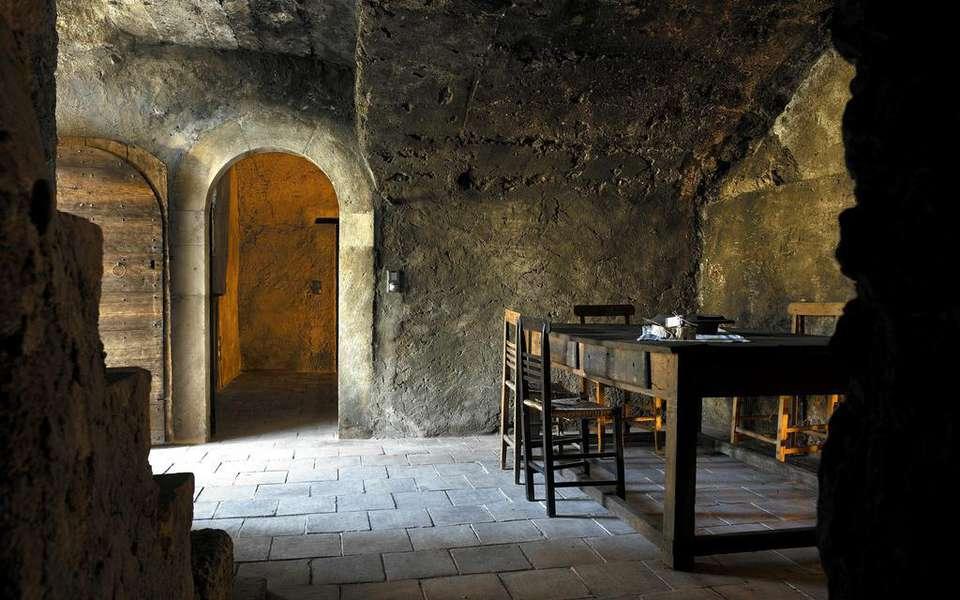 sextantio-albergo-diffuso-santo-stefano-di-sessanio-013-74708-960x600.jpg
