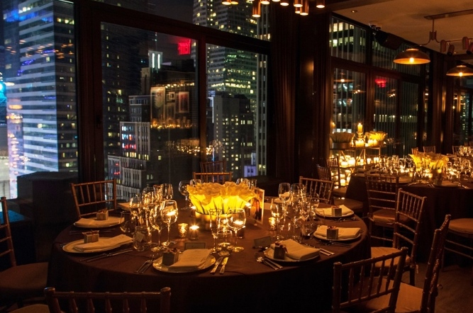 Private Events - With its multiple event spaces and stunning views of the city, The Skylark delivers the perfect setting for intimate get-togethers, corporate events, weddings, birthday celebrations, anniversaries, reunions or any occasion.
